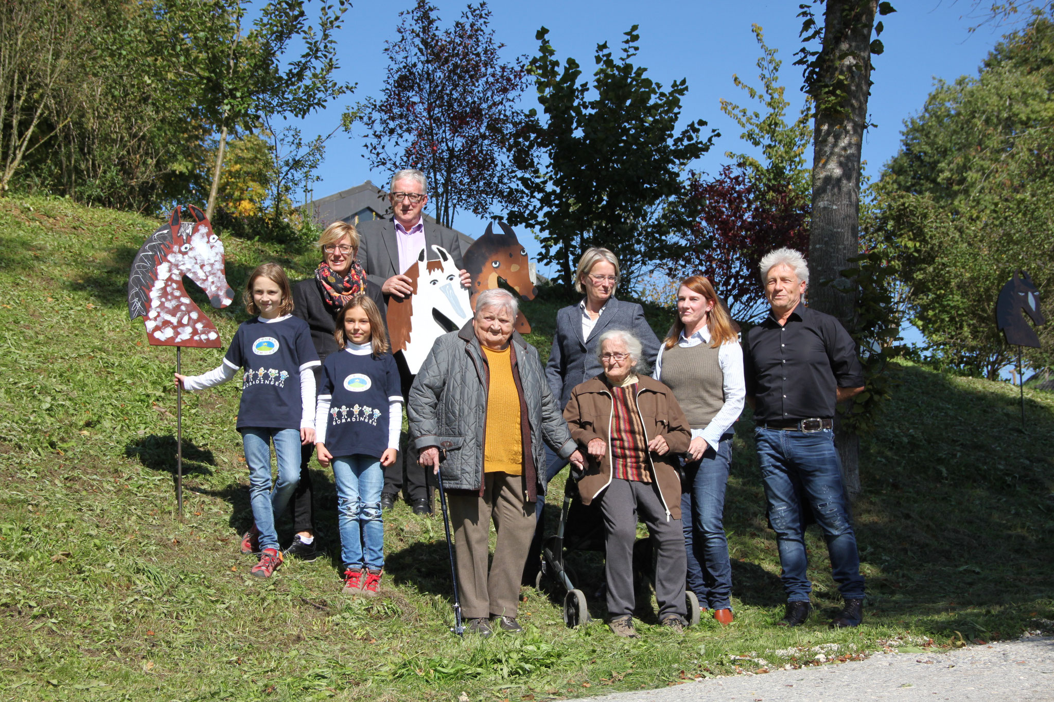 Mit den fertigen Rössern am Gestüt Marbach
