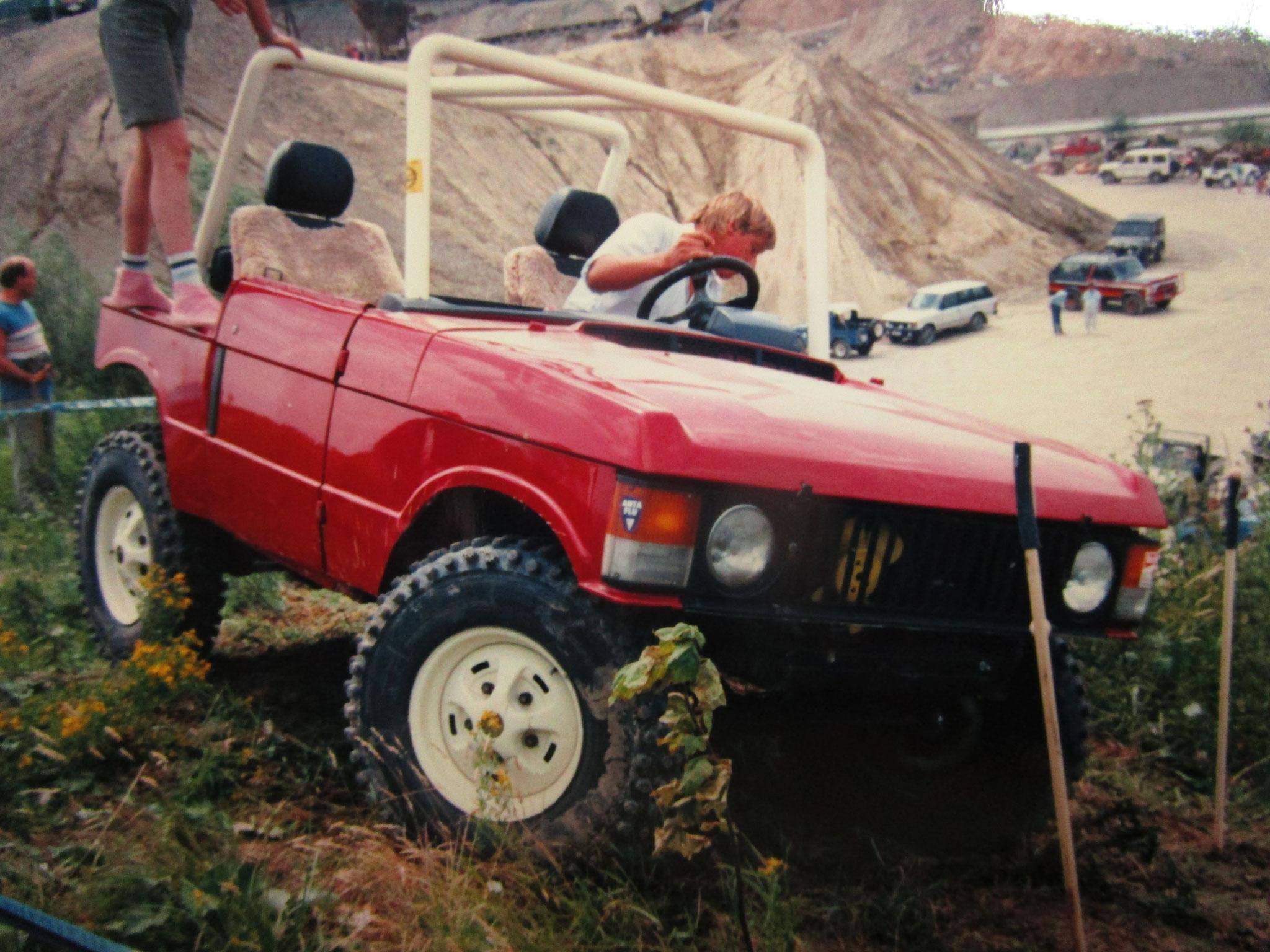 Heinz im gekürzten Range Rover