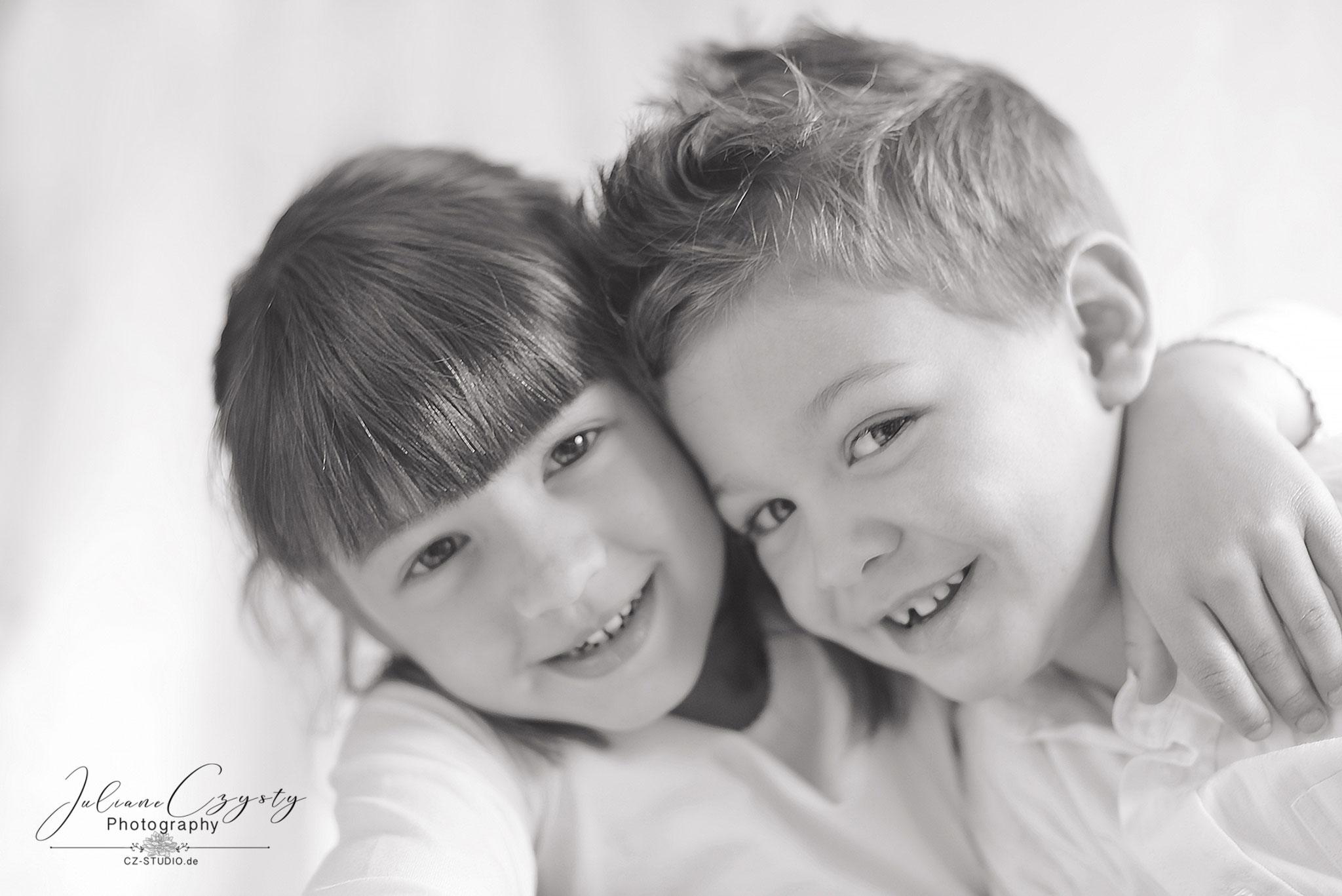 Geschwister-Shooting – Juliane Czysty, Fotografin in der Nähe von Rotenburg
