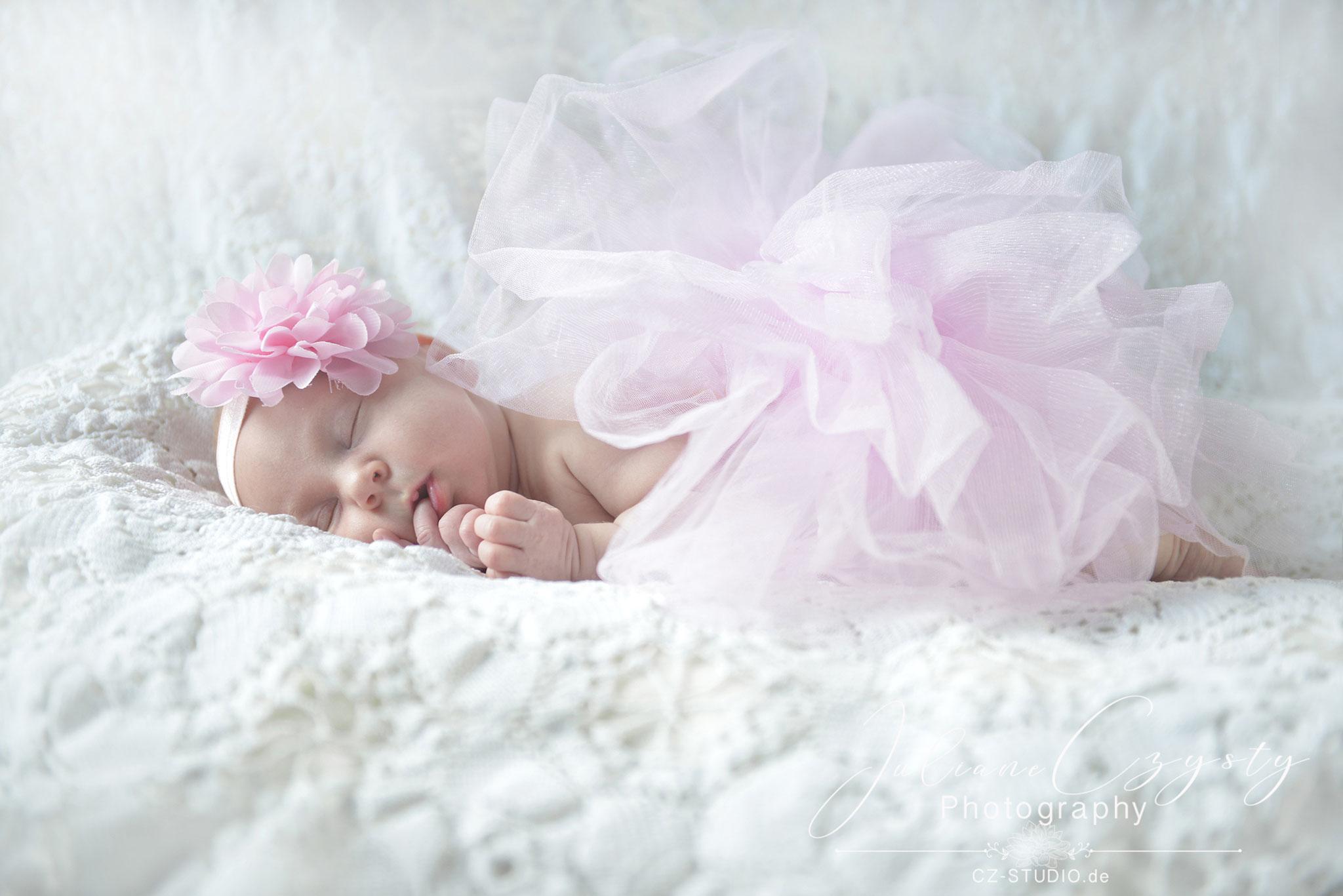 Newborn-Shooting – Juliane Czysty, Fotografin in Visselhövede bei Rotenburg