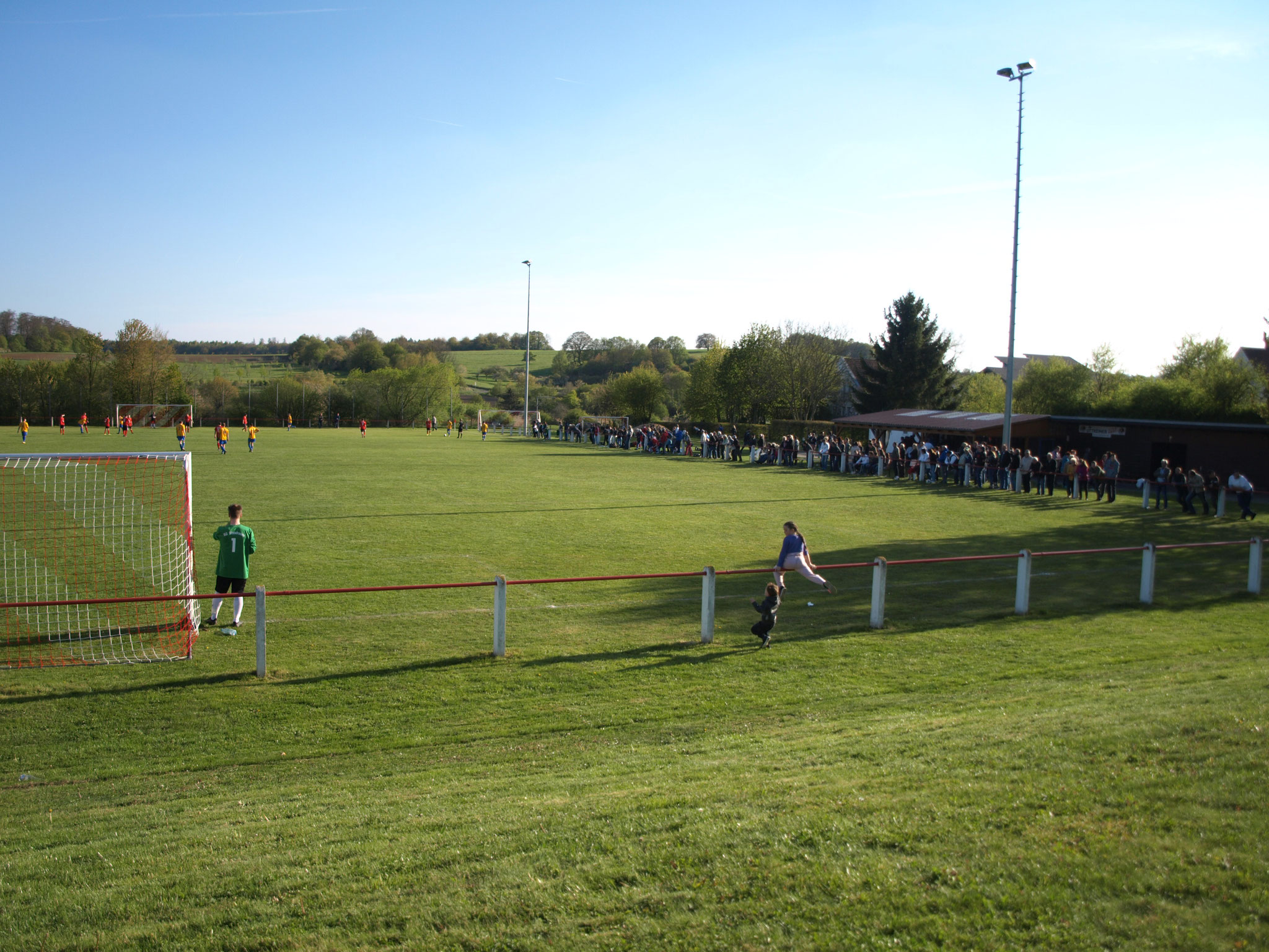 gut besuchte Fußballspiele
