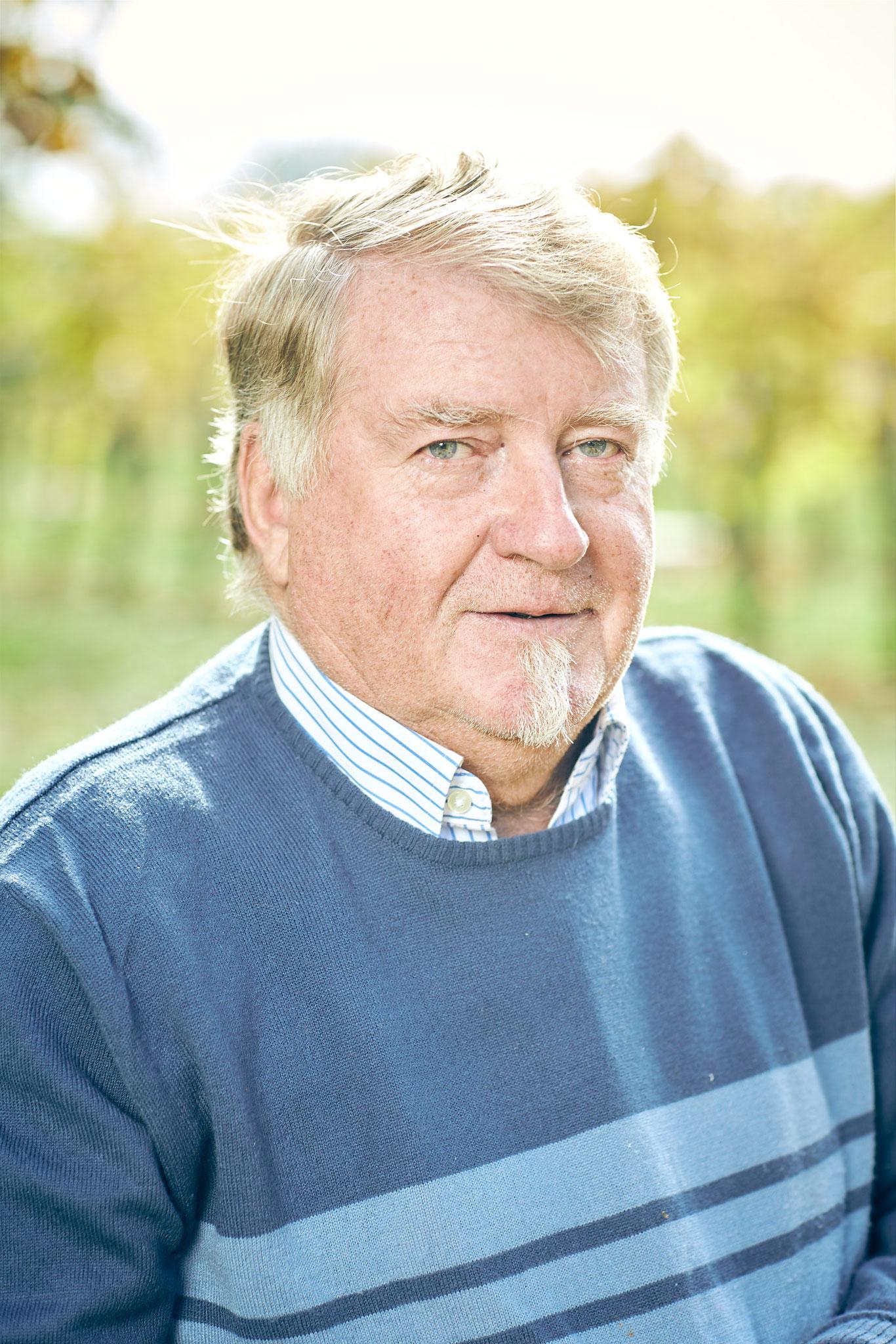 Luis Platzer - Seniorchef und Chefmaschinist am Hof, unterstützt mit seiner wertvollen Erfahrung