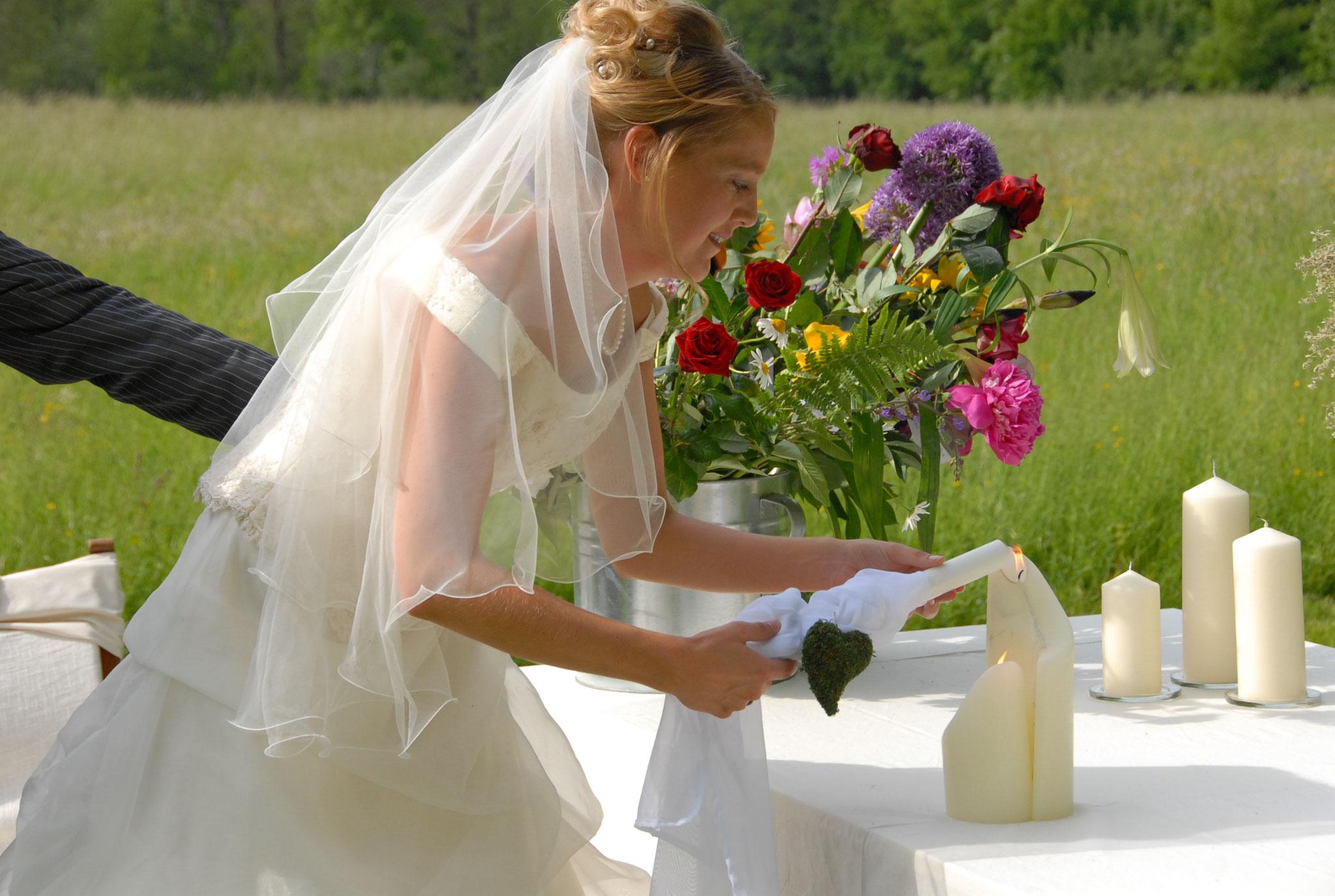 Freie Trauung | Hochzeitsrituale | Traurituale | Traukerze | Freie Traurednerin | Melanie-Christine Kuhles | Trau dich mit Emma