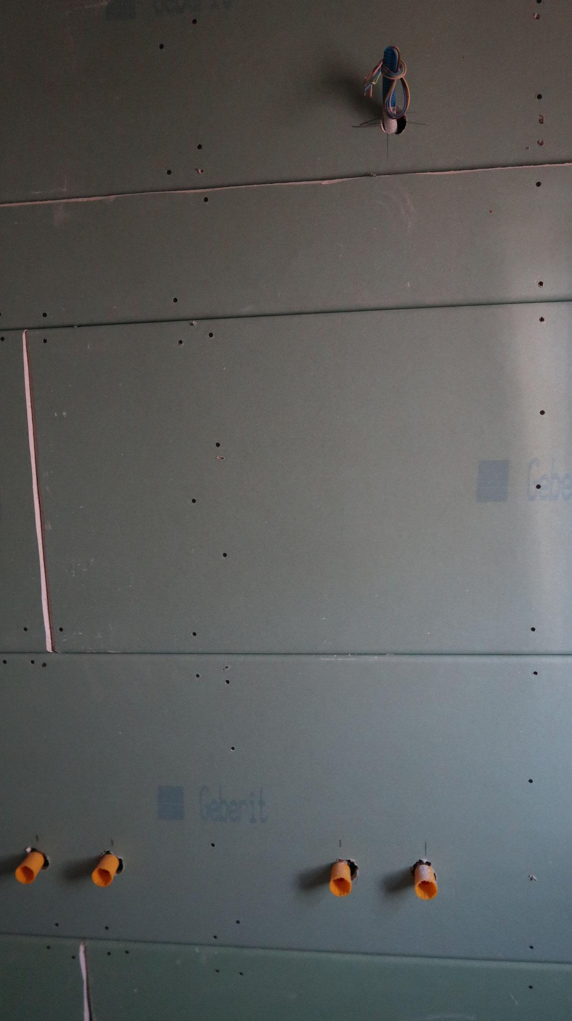Wand mit Vorsatzschale
