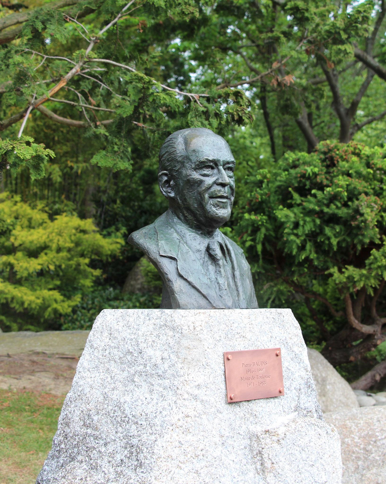 Buste Pierre Baudis, Jardin Japonais à Toulouse