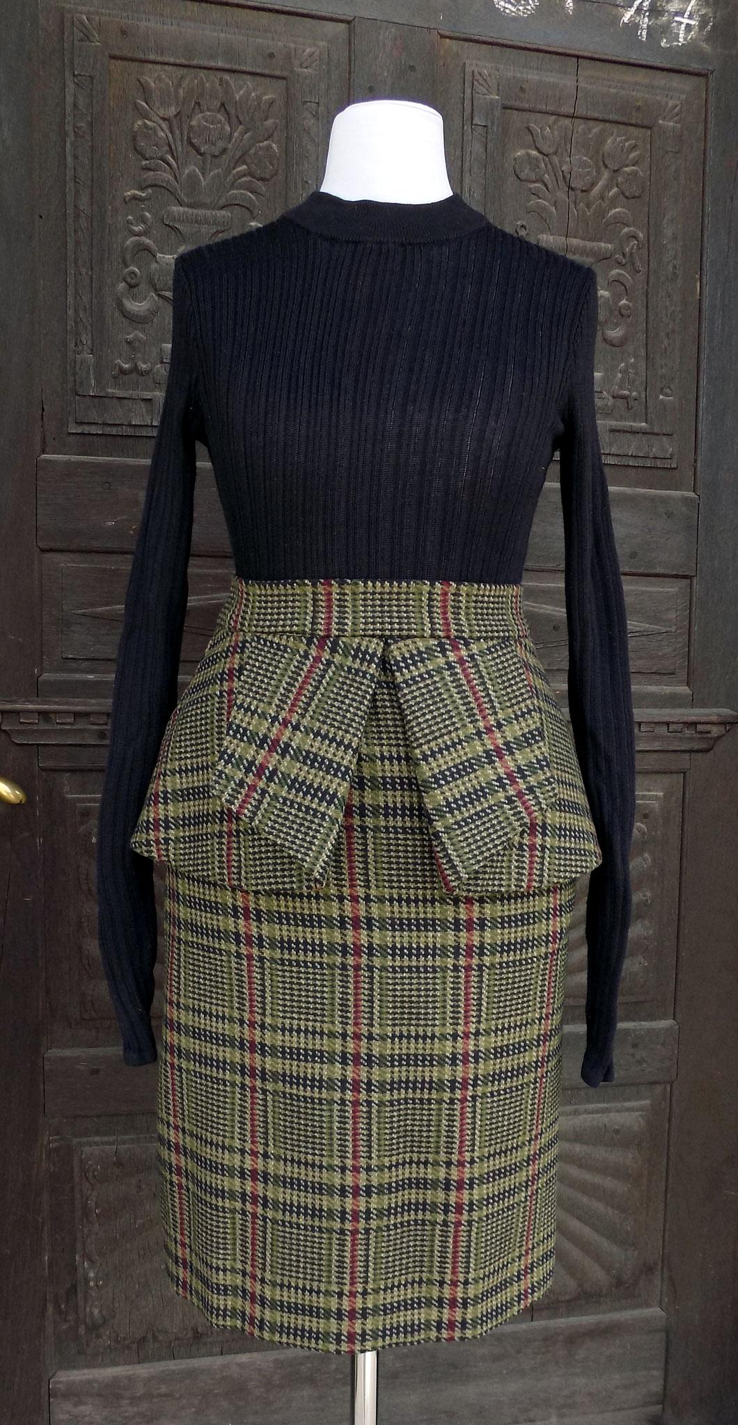 Wollrock mit angesetztem Schößchen