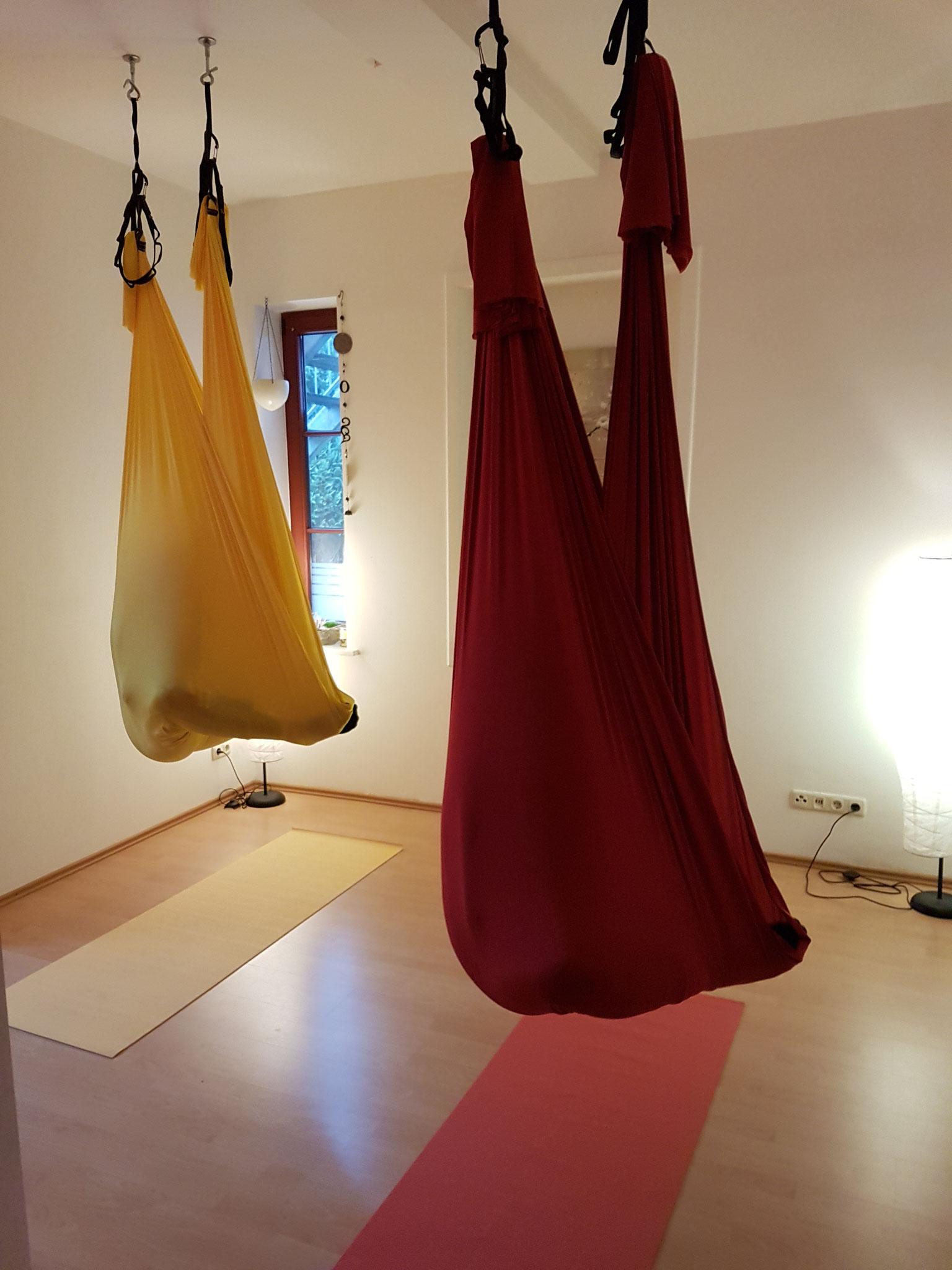 AERIAL YOGA - eingehüllt im Yoga Tuch - ProMentalis Garding