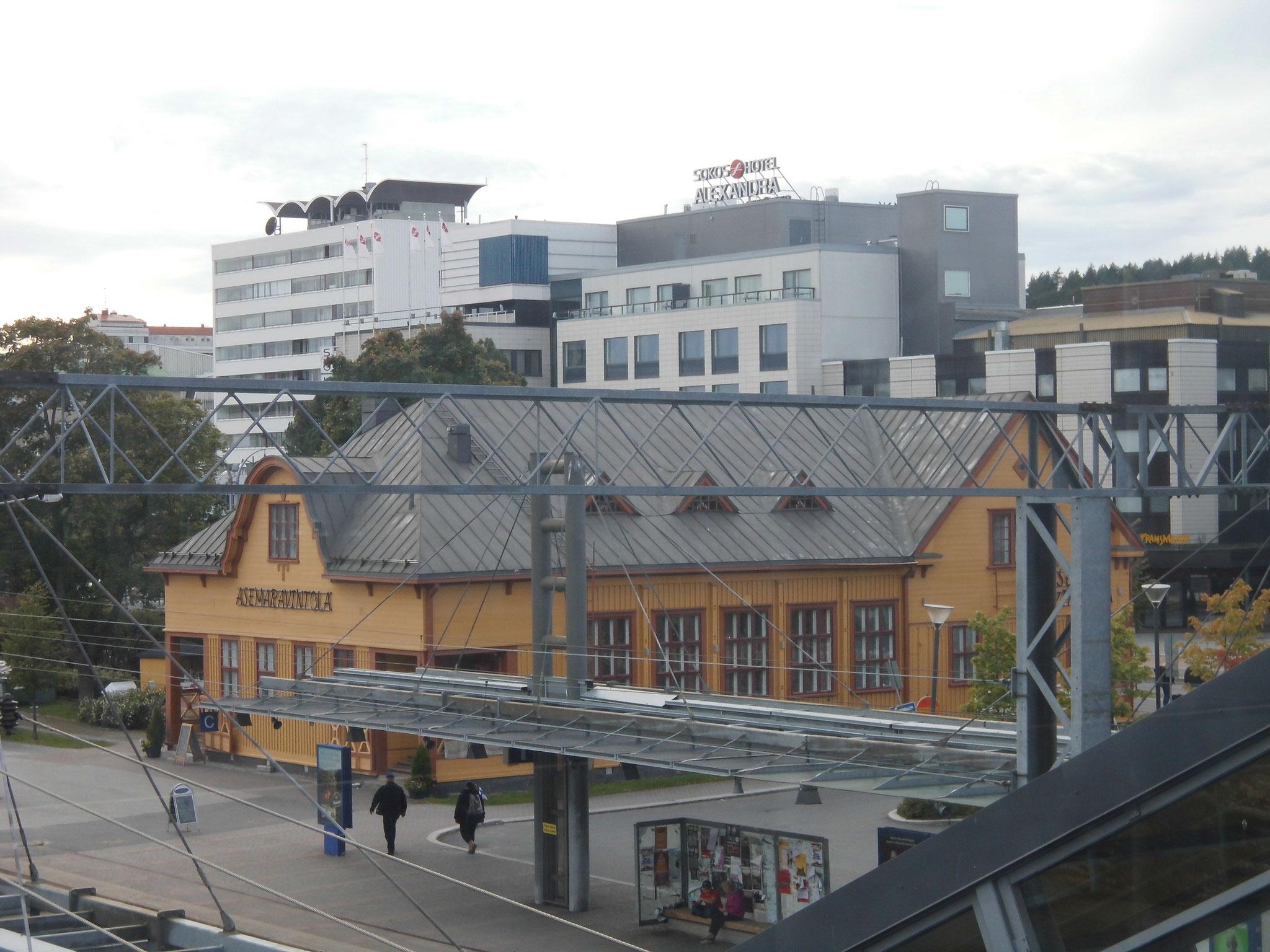 ...und Blick zum Hotel auf der linken Seite.