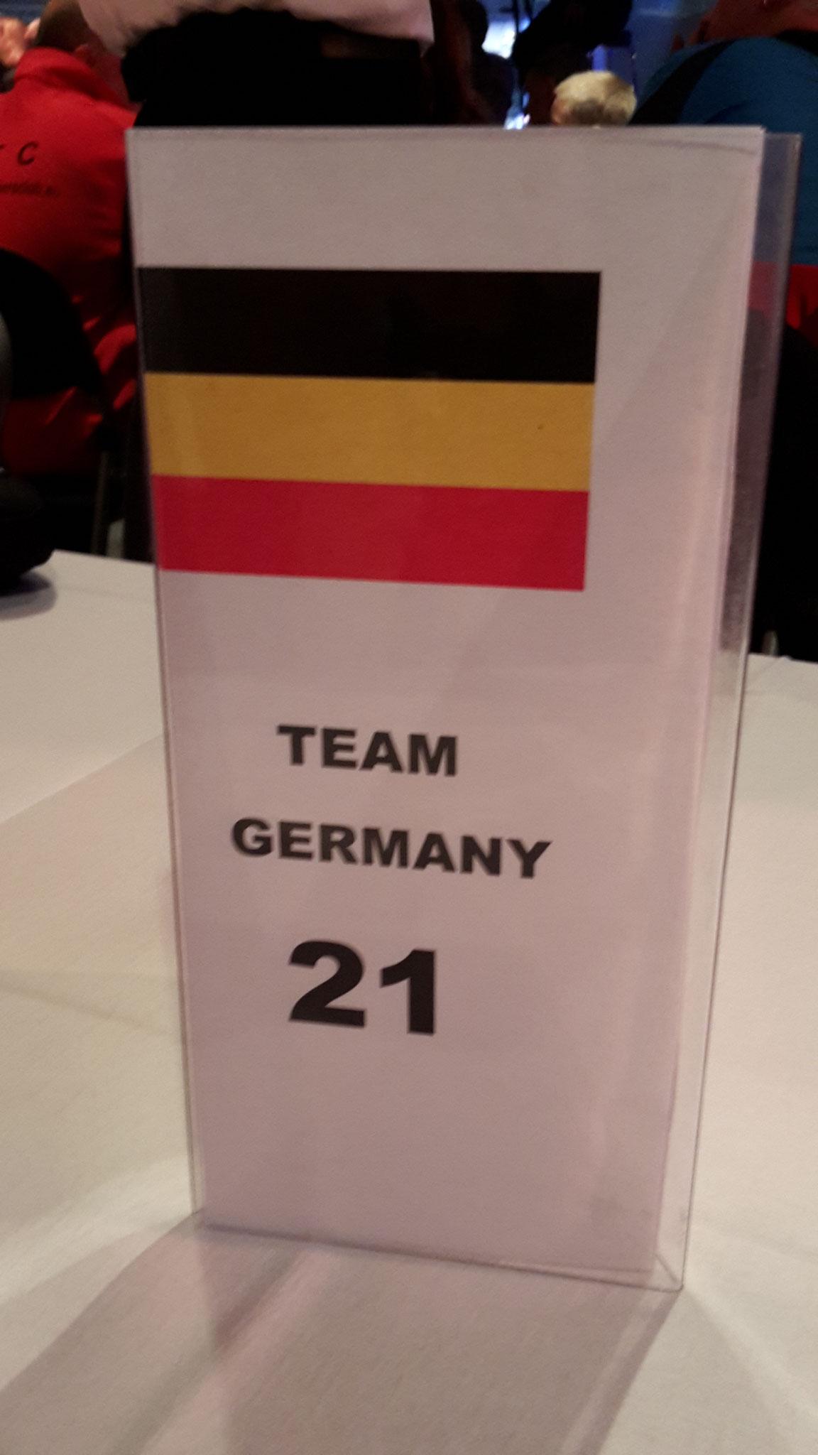 Bei der deutschen Fahne auf der Tischkarte, hatte sich das Hallenmanagement leider vertan.