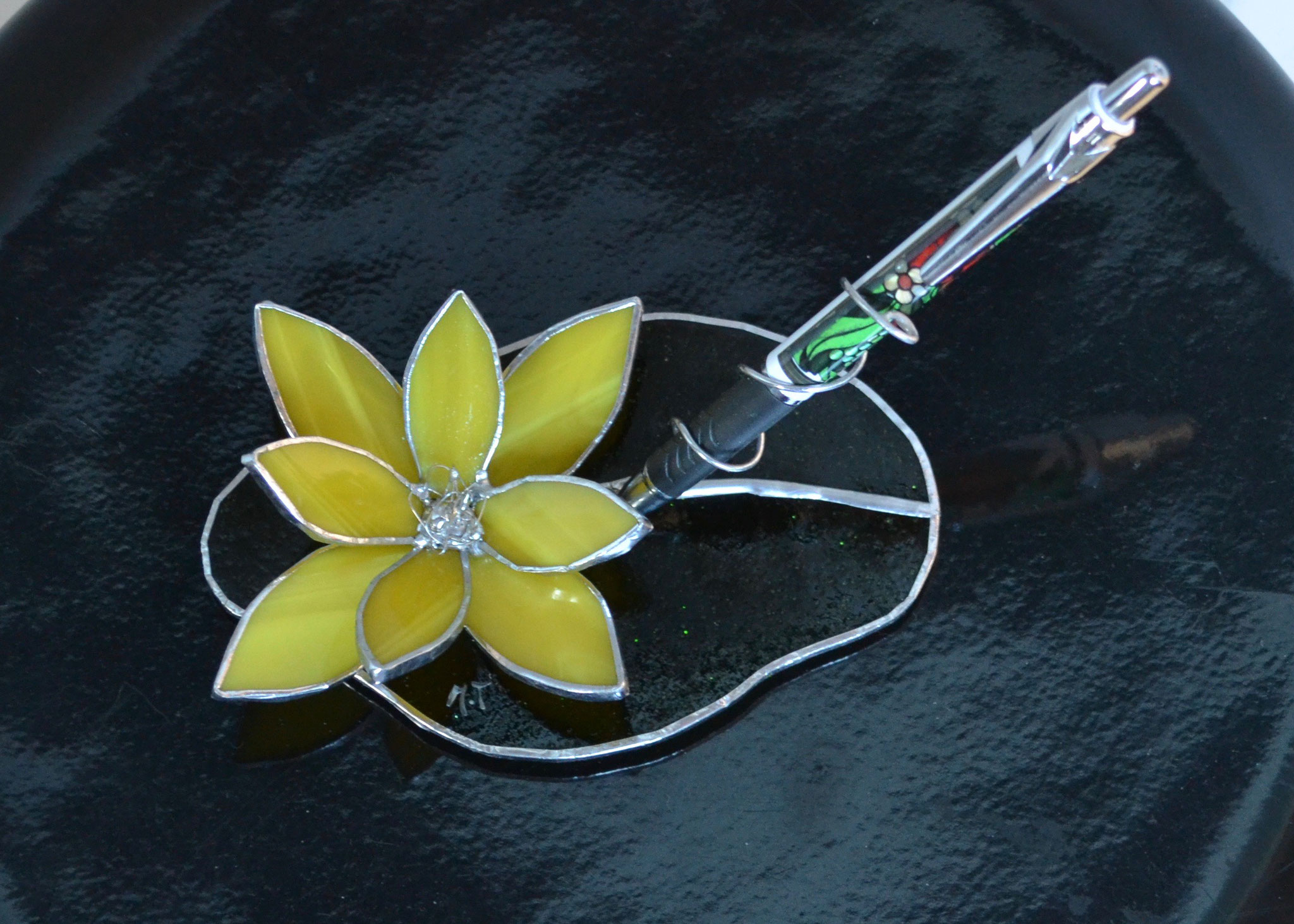 Porte-stylo fleur jaune en Tiffany