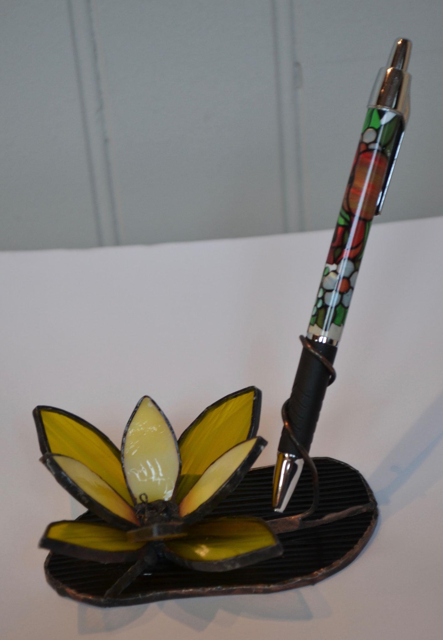 Porte stylo fleur jaune en Tiffany