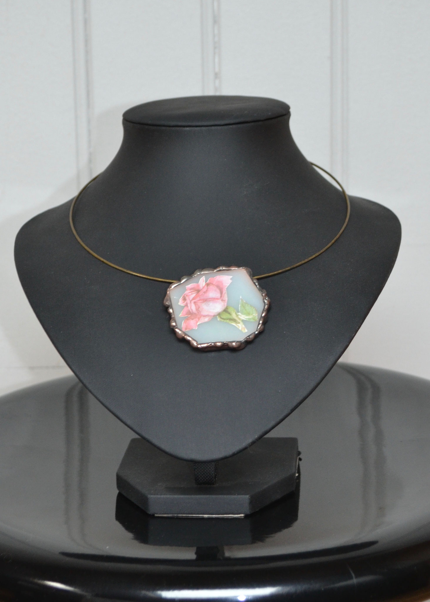 Pendentif Tiffany inclusion image rose (4,5 x 4,5 cm) 19€