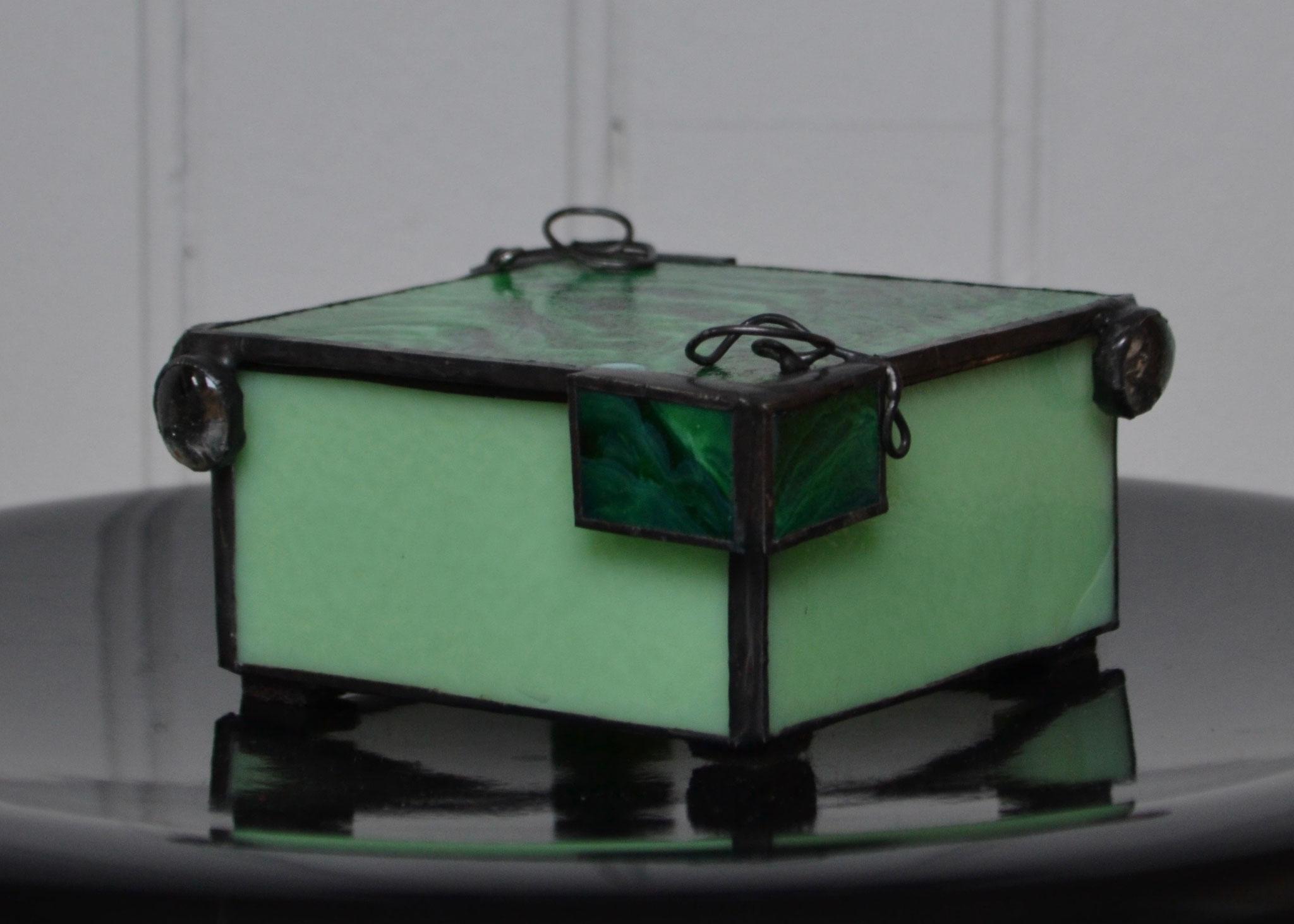 Boîte en Tiffany (11,5 x 10,5 x 5 cm) 49€