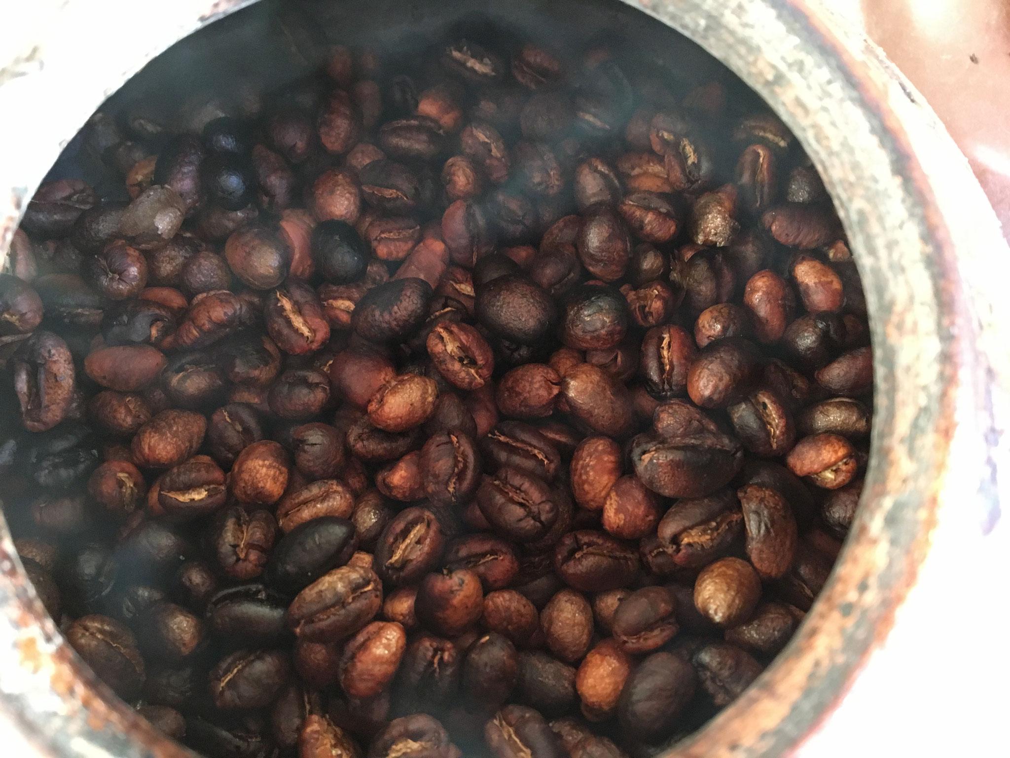 自家焙煎手焼きコーヒー(メキシコ・セスマッチ・ピーベリー)