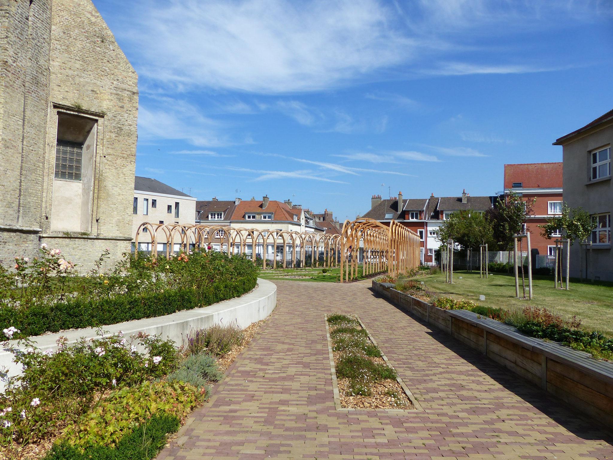 le Verger du jardin à droite de l'eglise Notre Dame