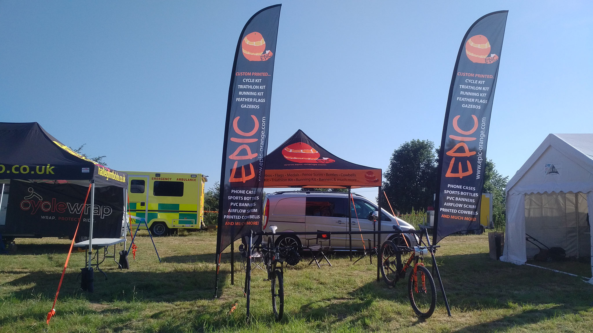 Fibrelight Feather Flags - EpicOrange Cycle-Tri-Run-Events
