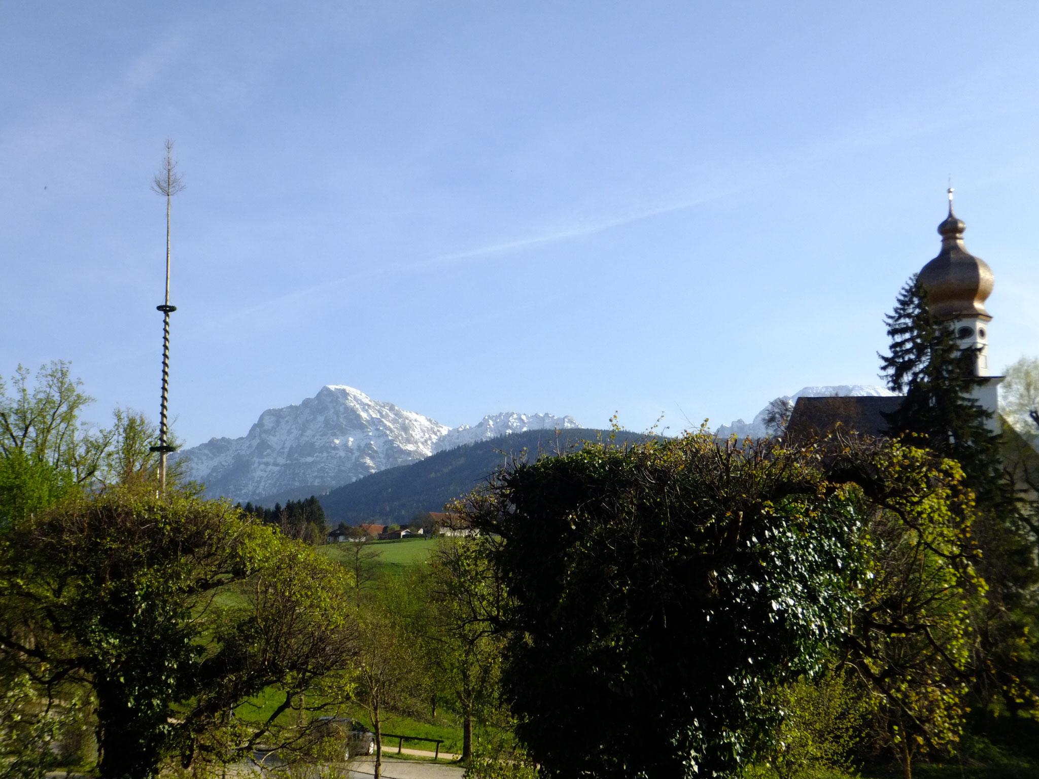 Parkplatz Gasthof Klosterwirt mit Blick Richtung Staufen