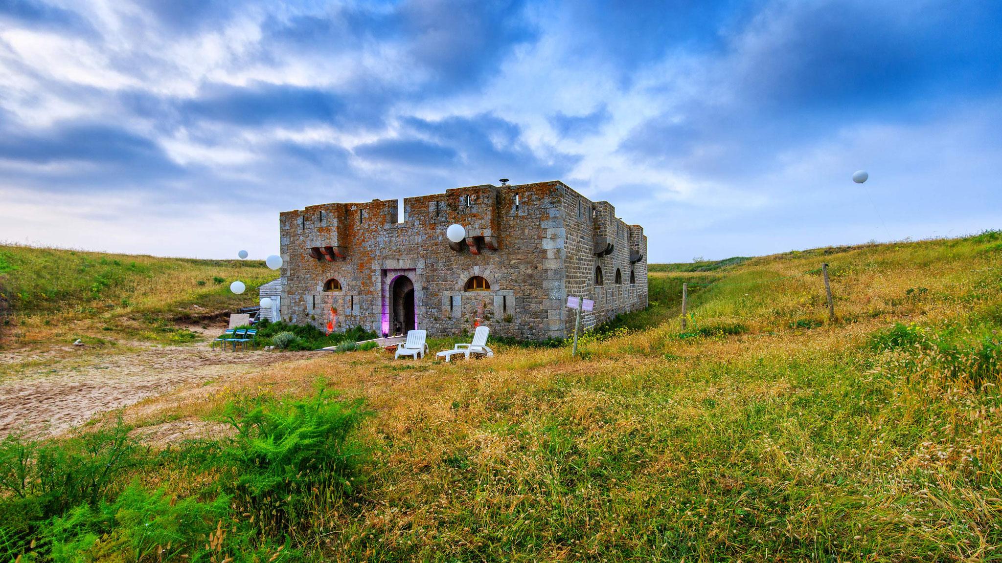Photographe de mariages à l'île de Houat Fort d'ental