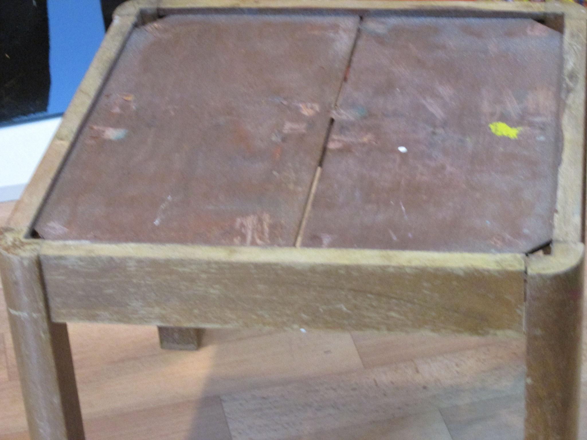 Holztischchen vor der Bearbeitung 40 x 40 cm