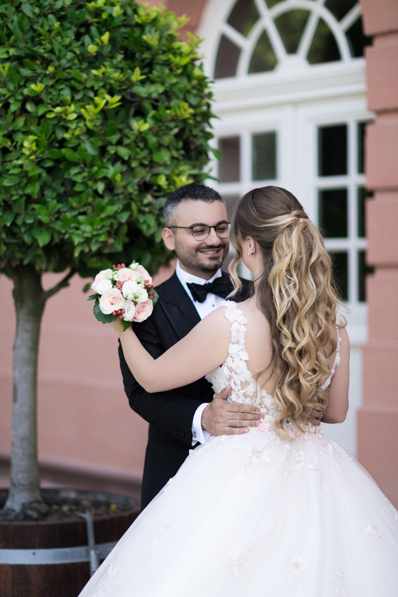 Romantische Hochzeitsfotos vom professionellen Fotografen