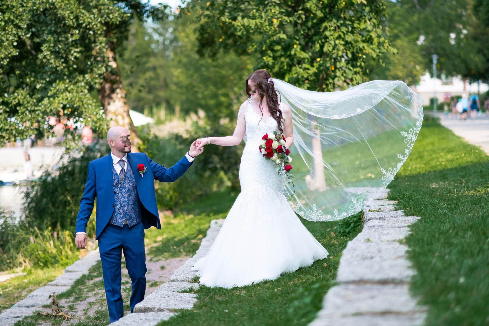 Hochzeitsfotograf für Brautpaar Shooting am Flückigersee in Freiburg im Breisgau
