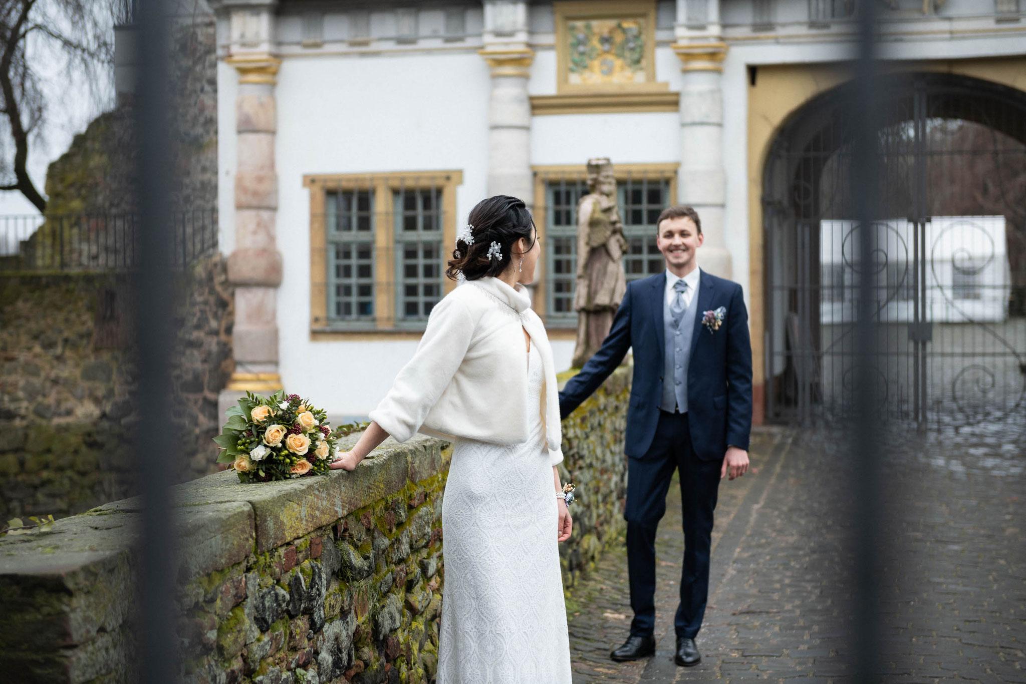 Brautpaar Shooting am Höchster Schloss in Frankfurt