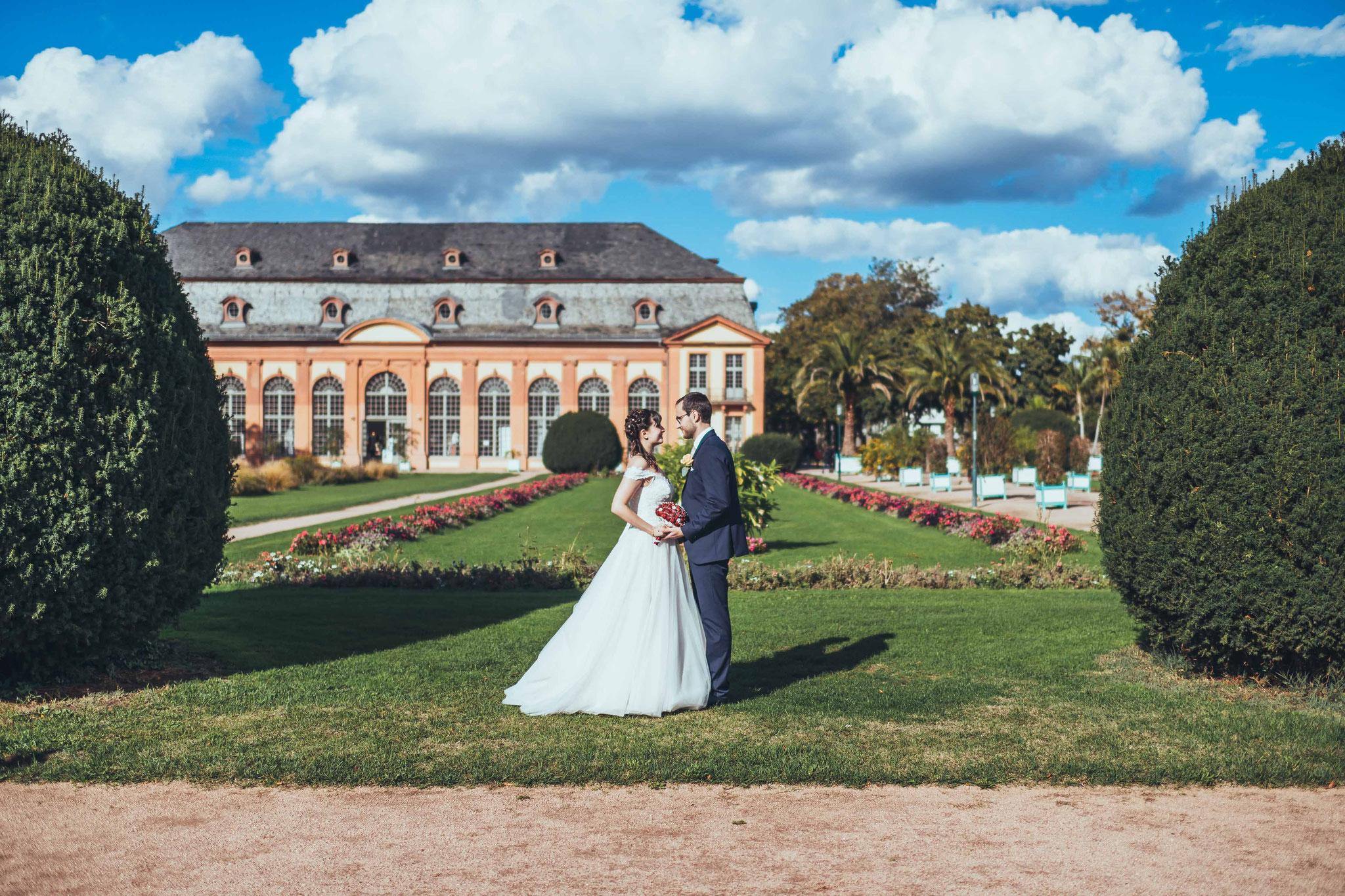 Fotos und Videos bei denen sich das Brautpaar umarmt oder küsst, sind ein Muss