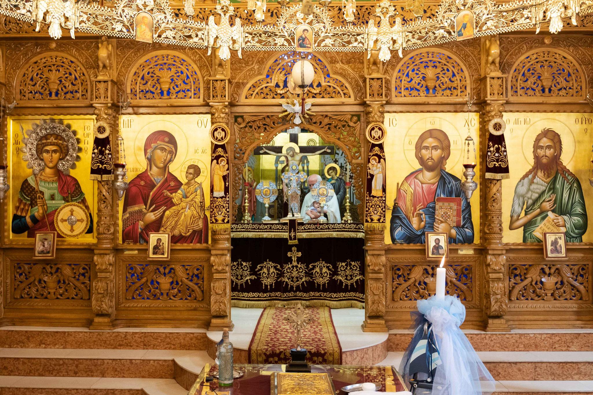 Der Altar der griechisch Orthodoxen Kirche in Wiesbaden Biebrich