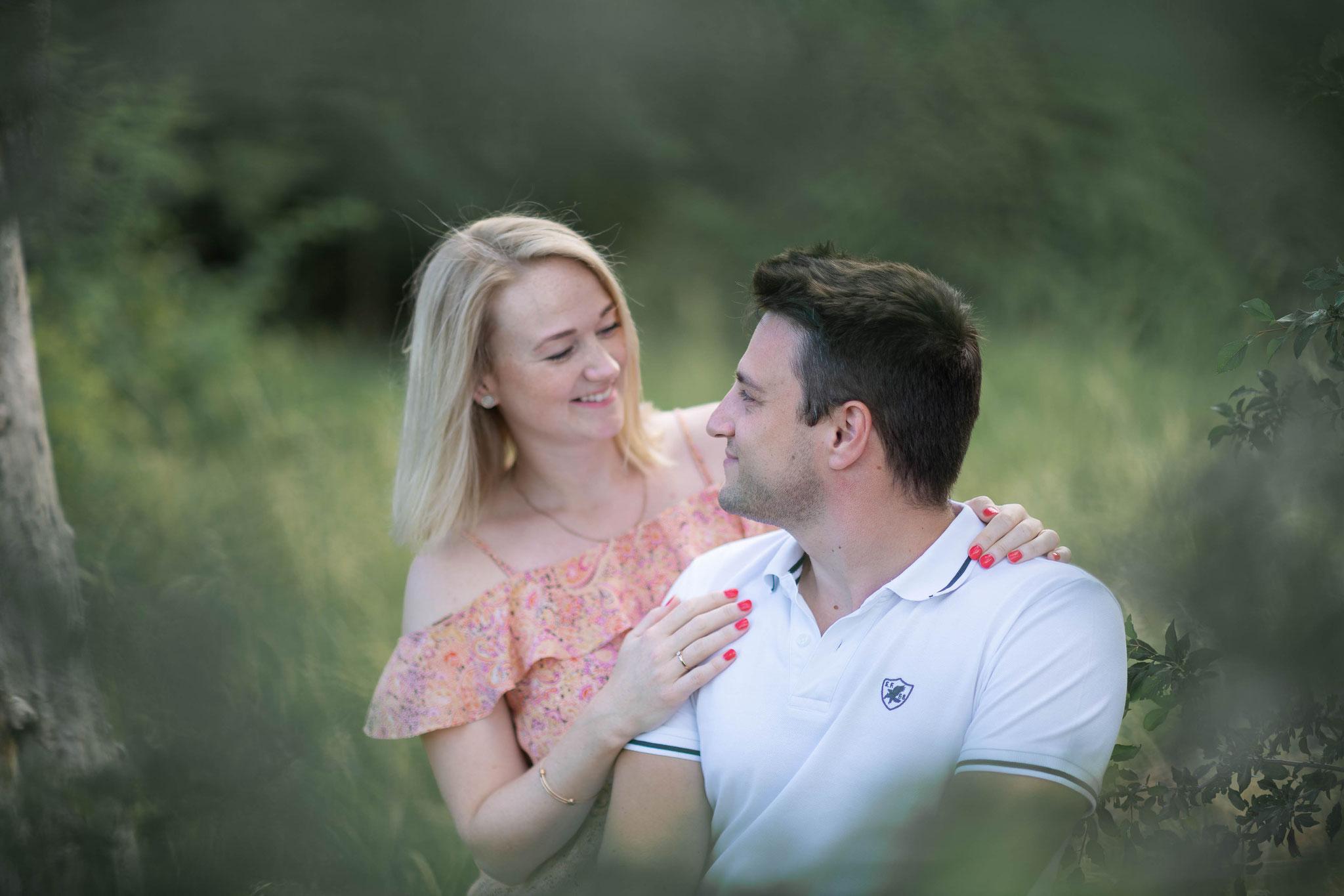 Professionelle Paaraufnahmen vor der Hochzeit zum Kennenlernen