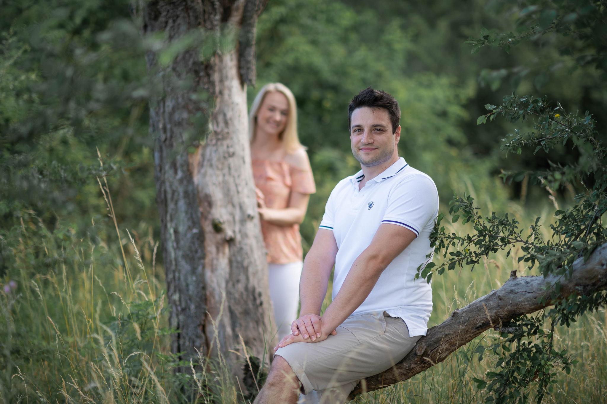 Professioneller Fotograf für Aufnahmen vor der Hochzeit