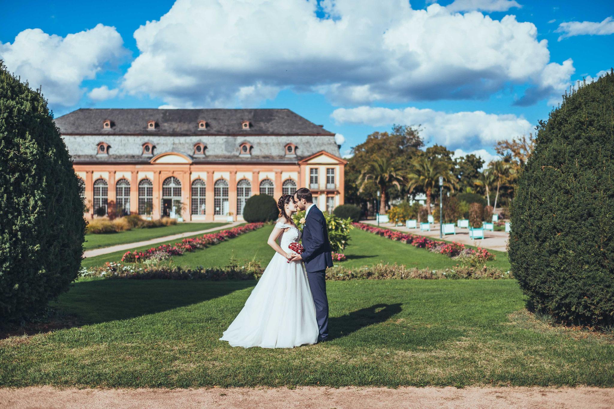 Brautpaar Shooting im Orangerie Garten in Darmstadt
