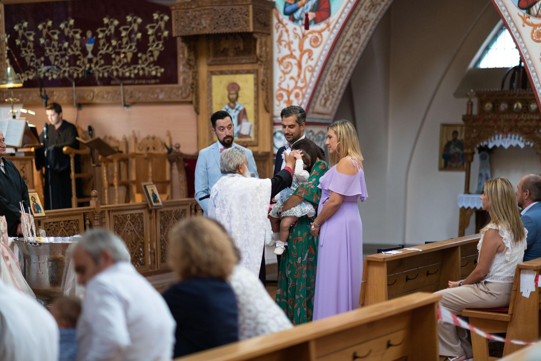 Professioneller Fotograf und Videograf für wunderschöne Momente der Taufe Ihres Kindes in Ludwigshafen und Umgebung