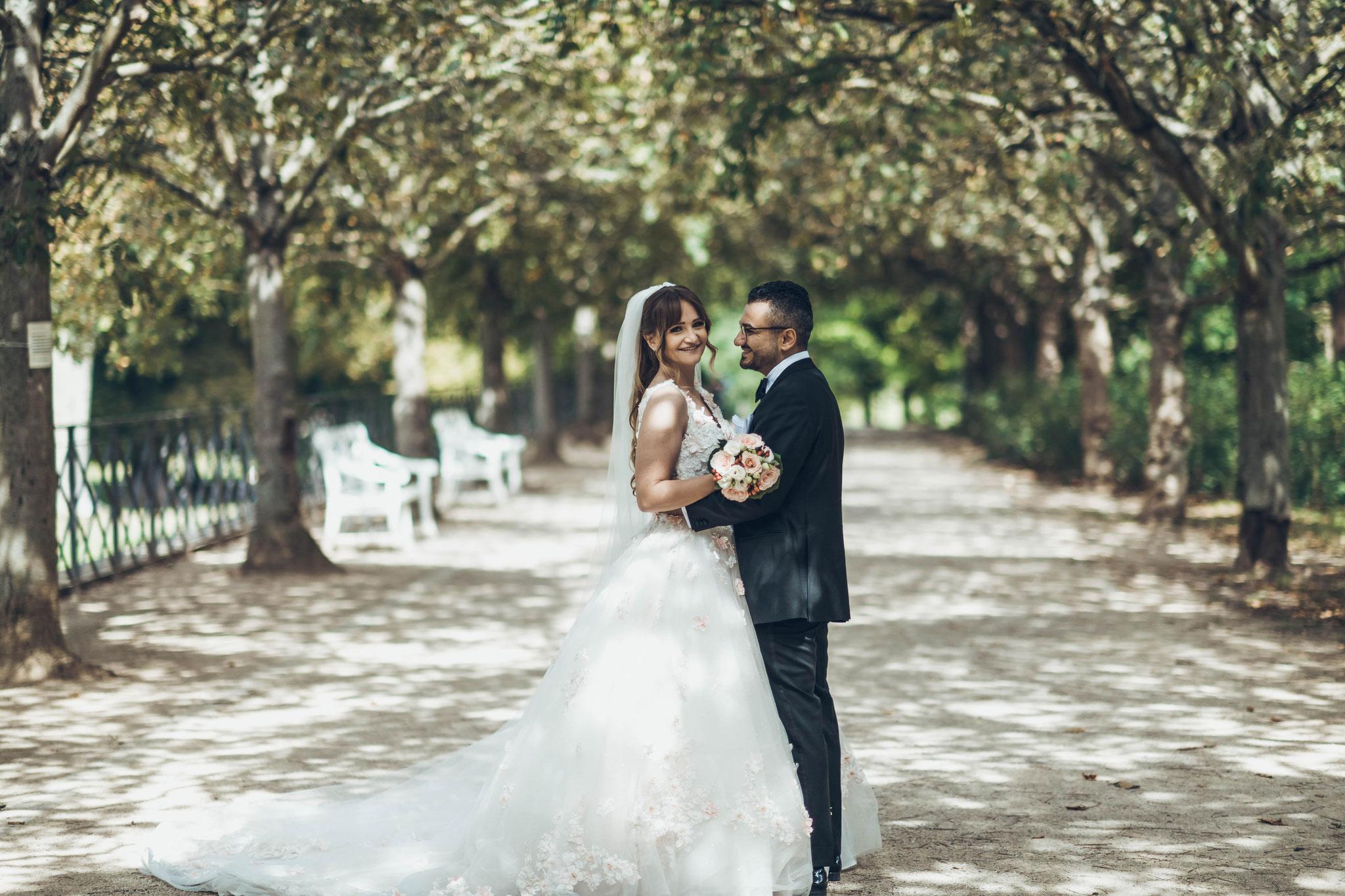 Hochzeitsfotograf für Ihre Hochzeit in Wiesbaden im Schlosspark
