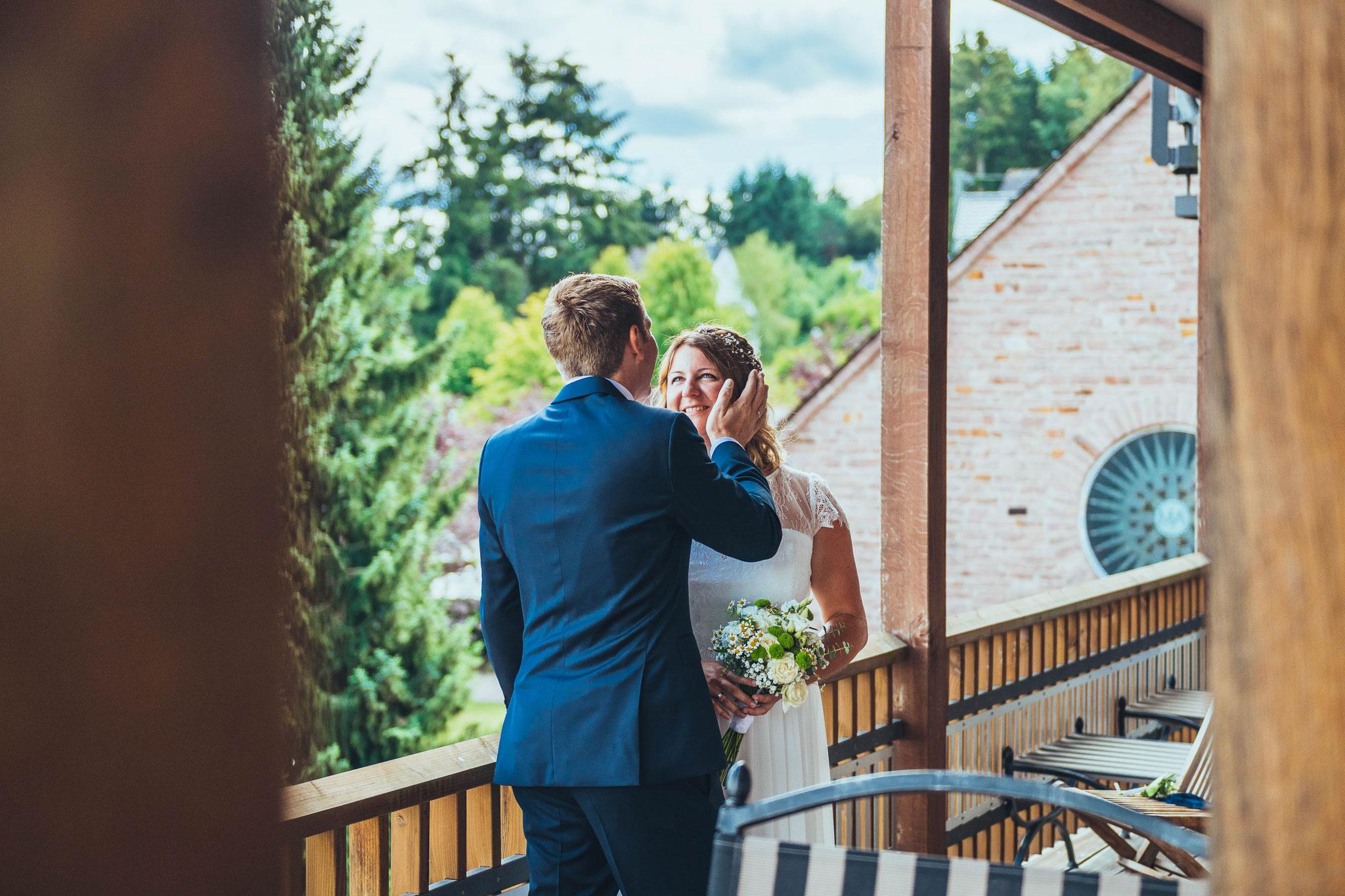 Fotoshooting mit dem Brautpaar im Klosterhotel Marienhöh Langweiler