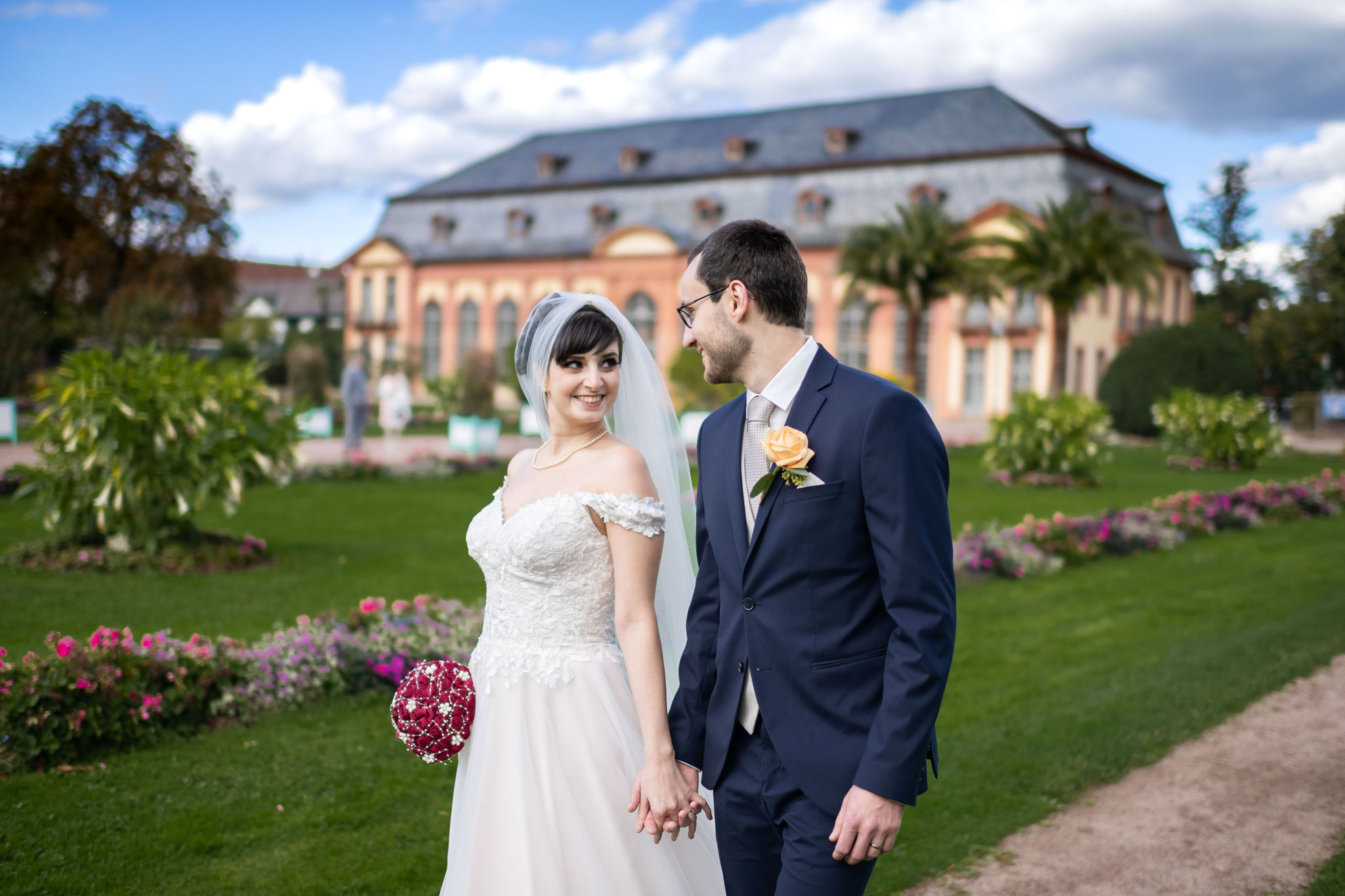 Brautpaarshooting mit Hochzeitsfotograf und Videograf in der Orangerie in Darmstadt