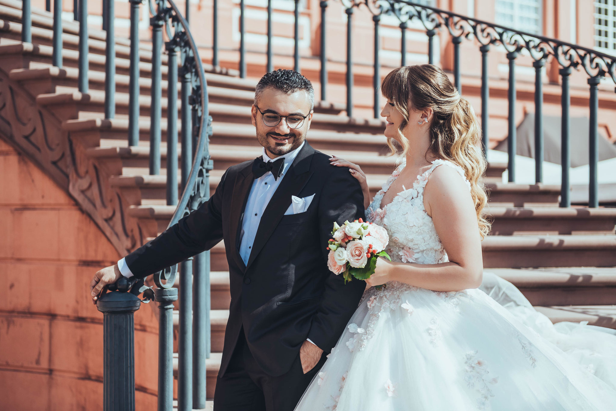 Ihr Fotograf für Afterwedding Fotoshooting in Wiesbaden Schloss Biebrich