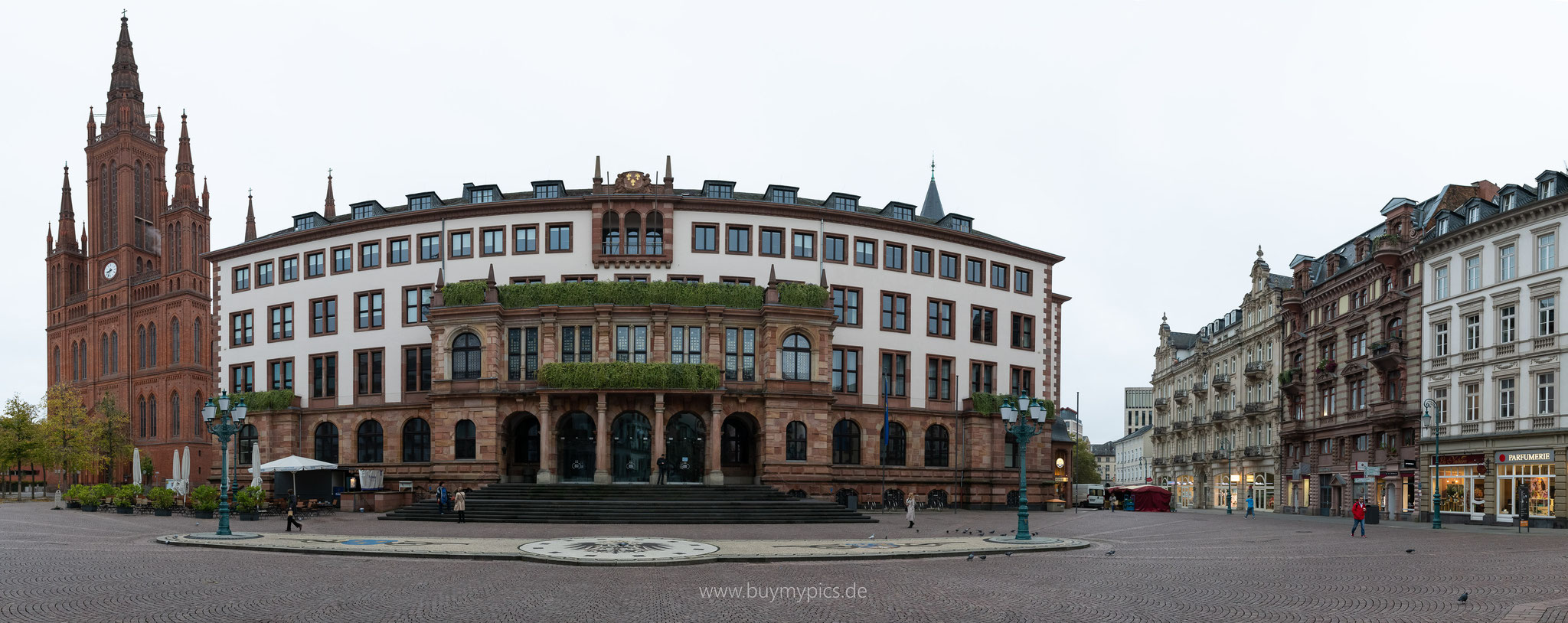 Wiesbadener Platz vor dem Standesamt