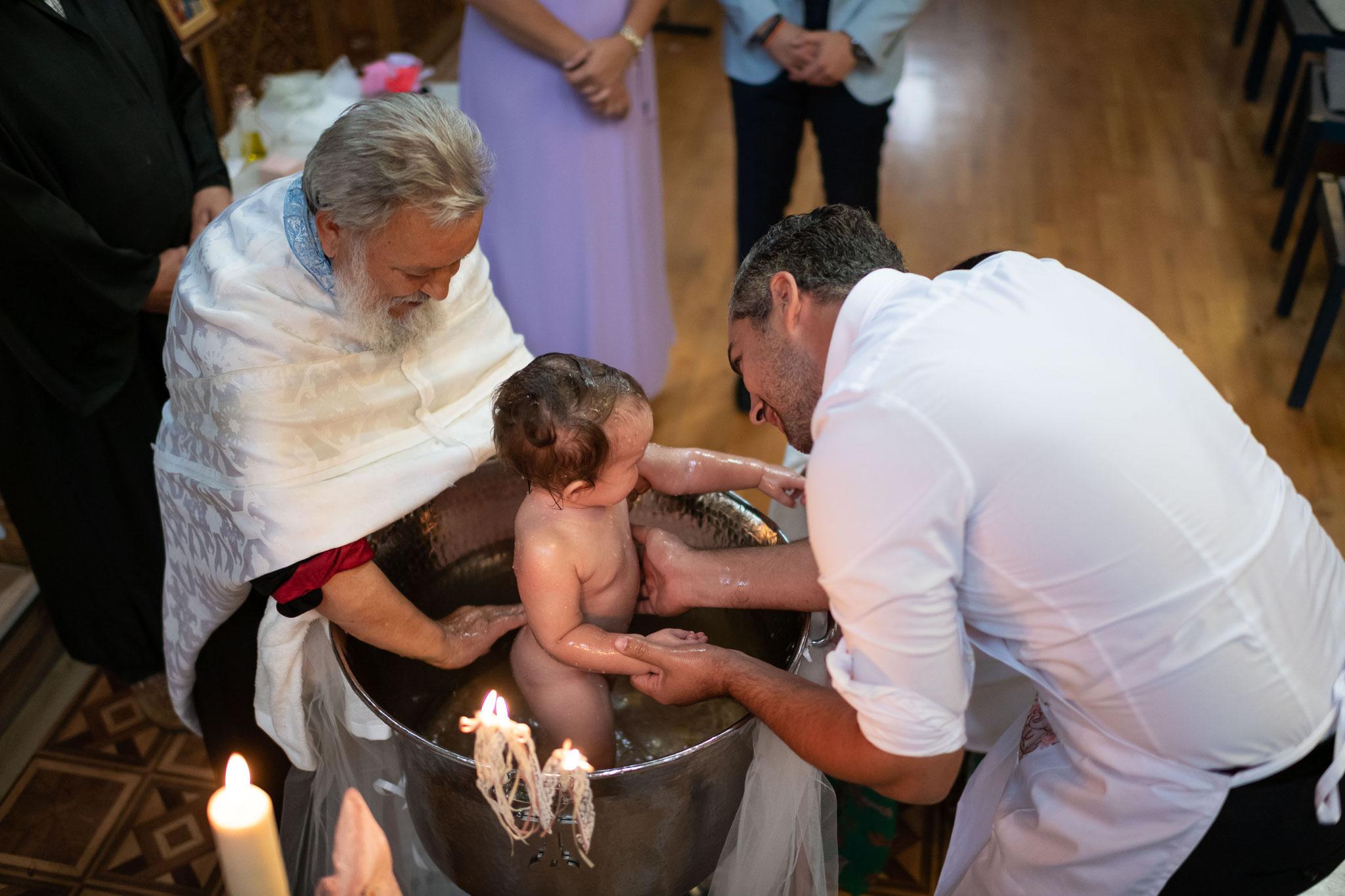 Kreatives und immer gut gelauntes Kamerateam für Ihre perfekten Aufnahmen während der Taufe Ihres Kindes