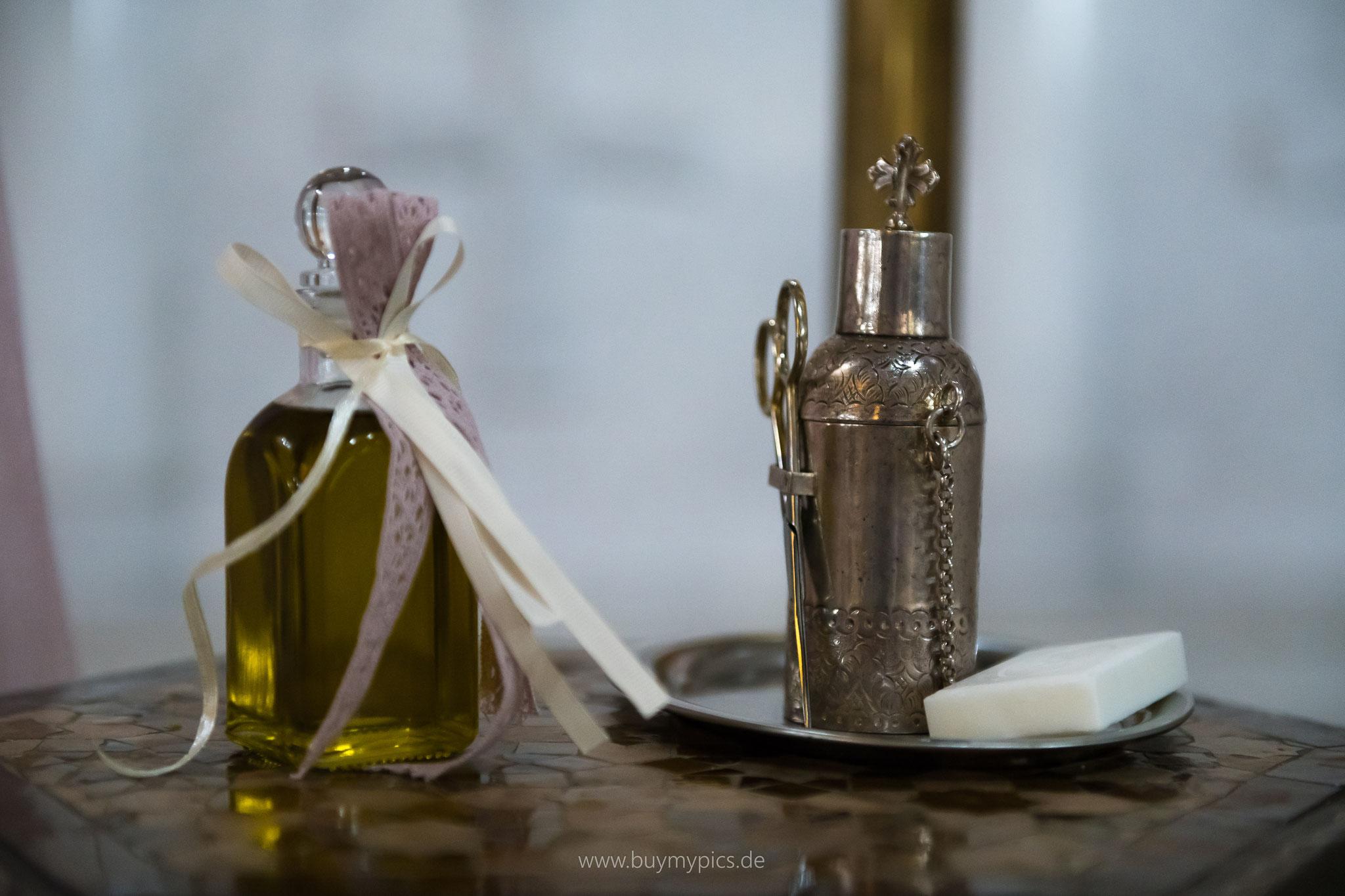 Olivenöl zur Taufe eines Kindes nach griechischer Tradition