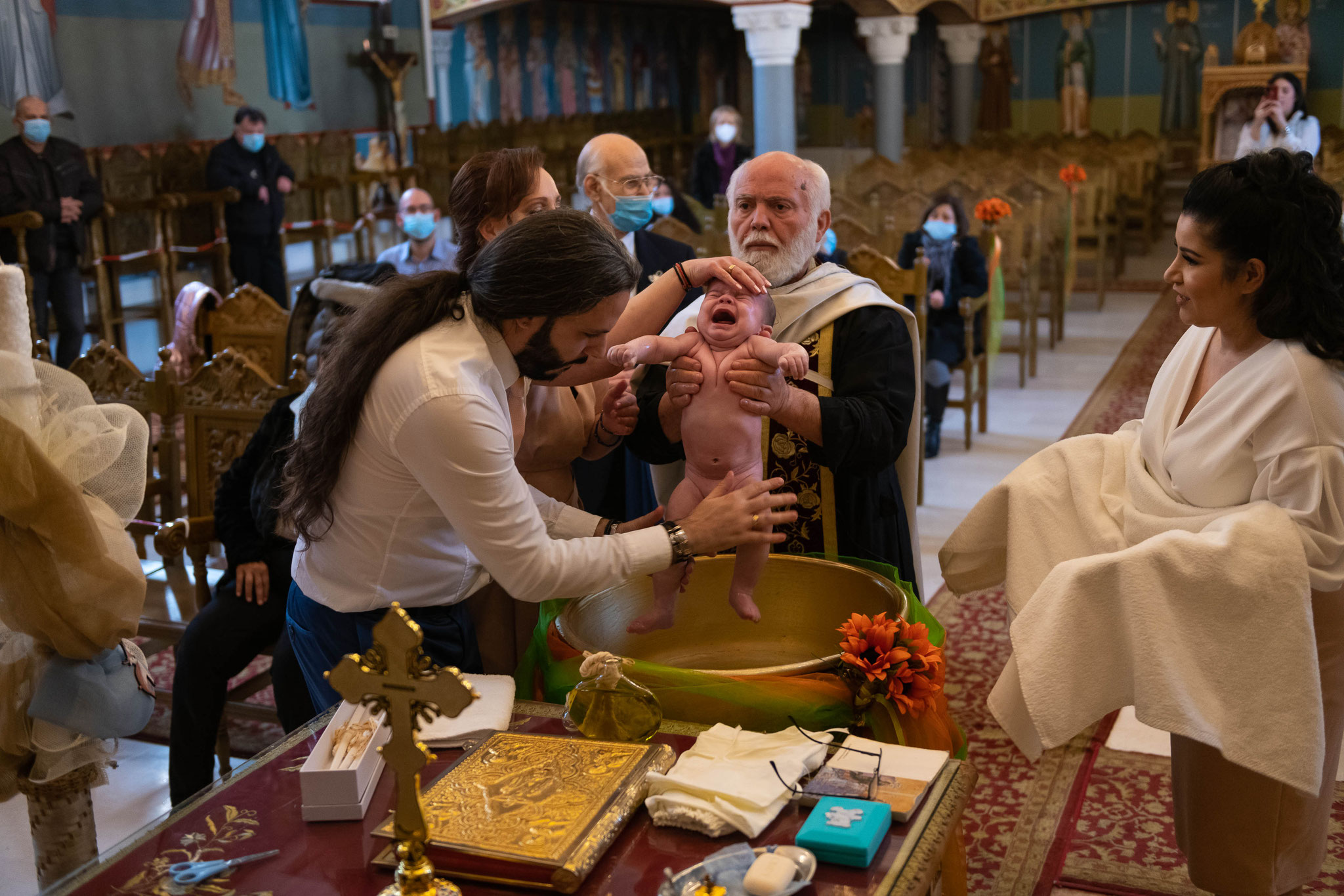 Professionelles Kamerateam für griechische orthodoxe Taufe in Wiesbaden