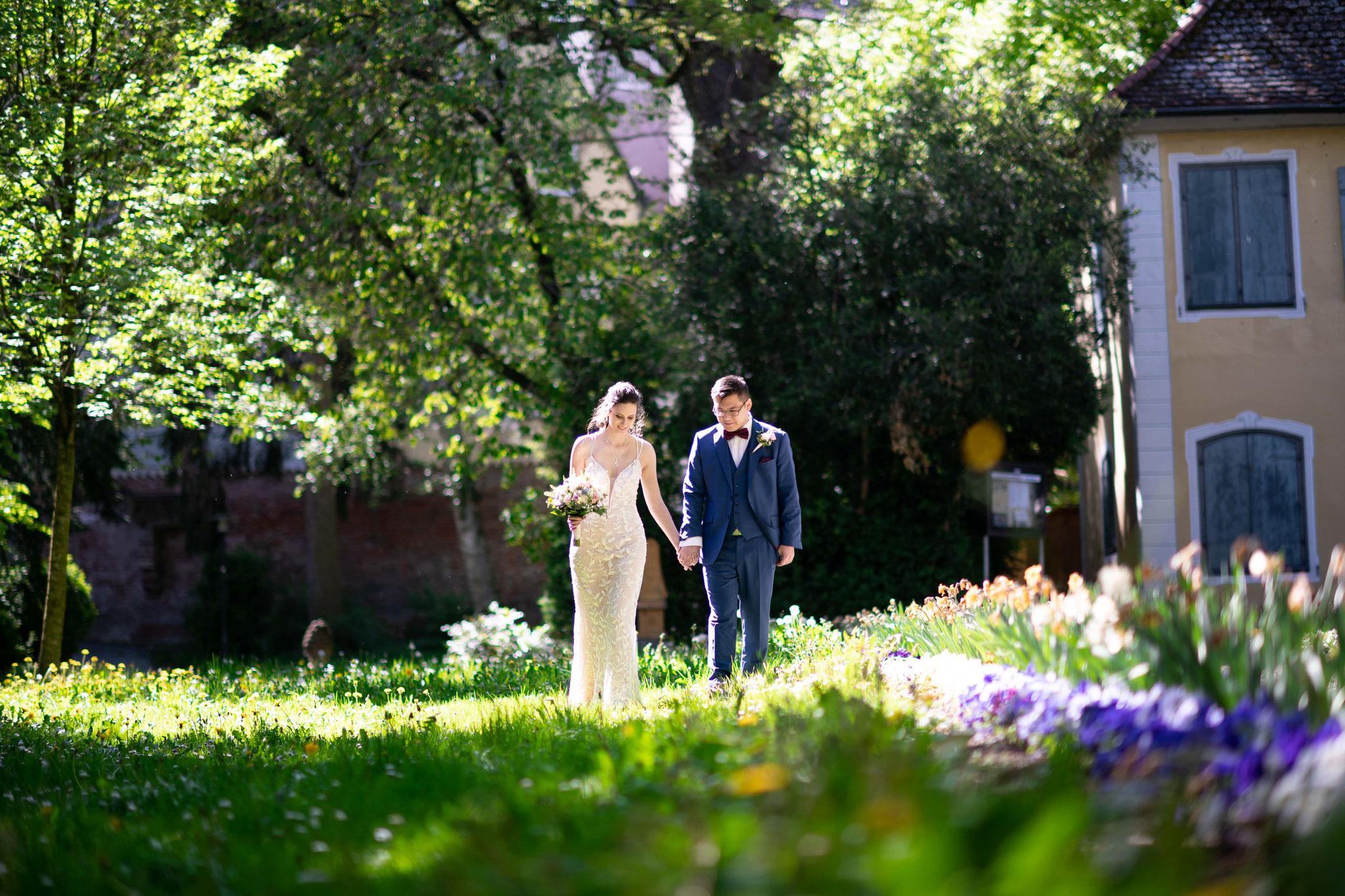 Fotograf und Videograf für authentische und professionelle Hochzeitsfotos und Hochzeitsfilme in Memmingen und Bayern