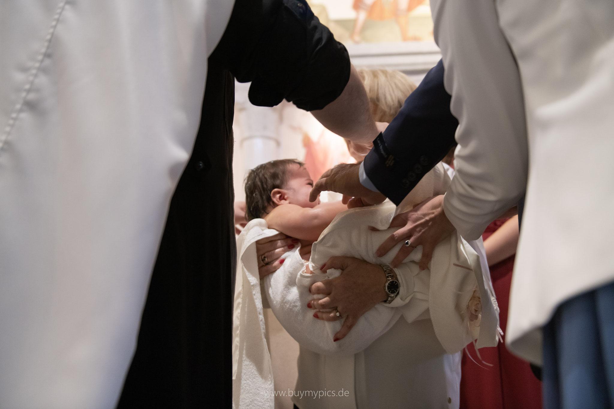 Das Kind nach der Taufe