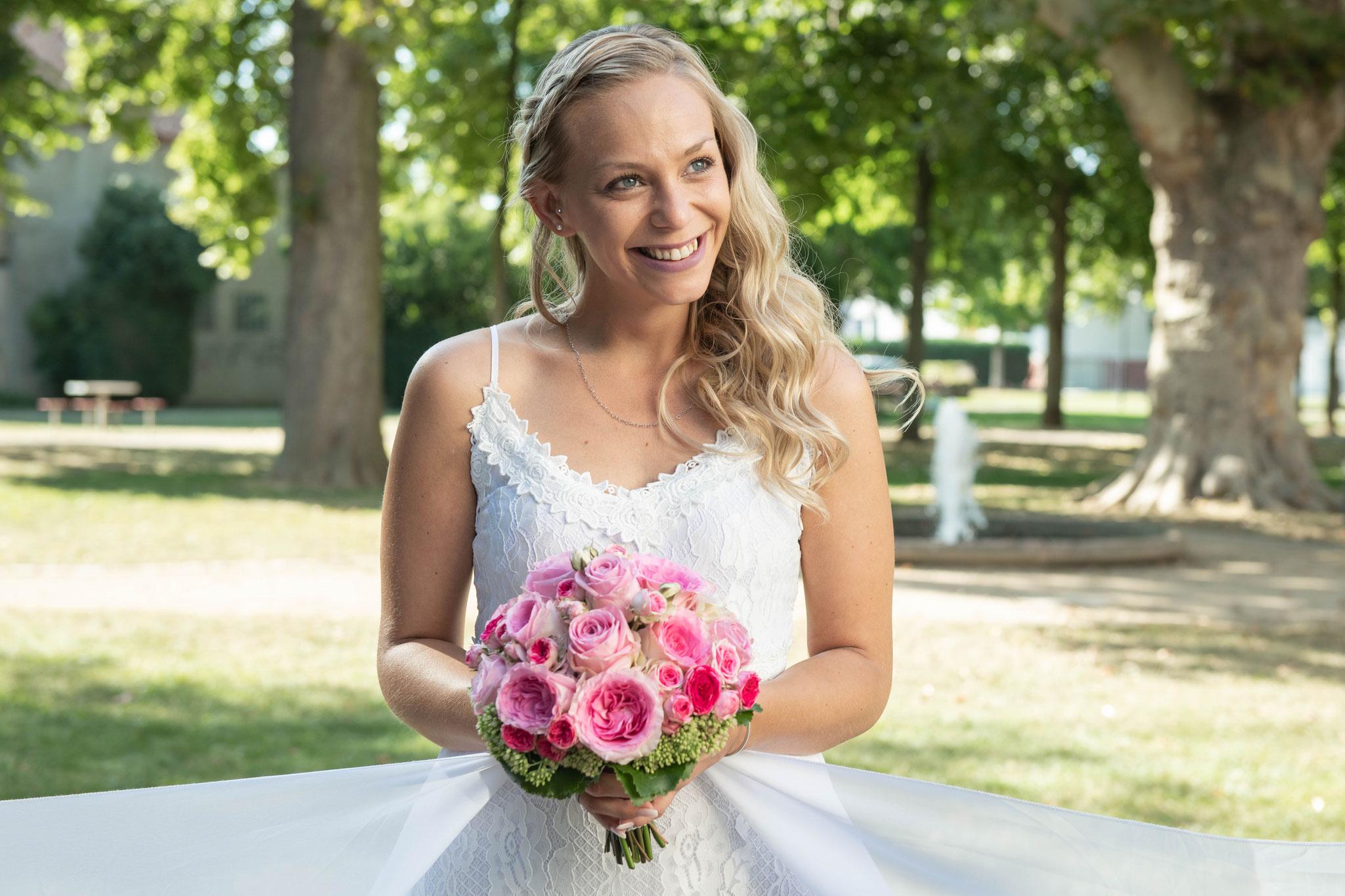 Das süße Lächeln der Braut