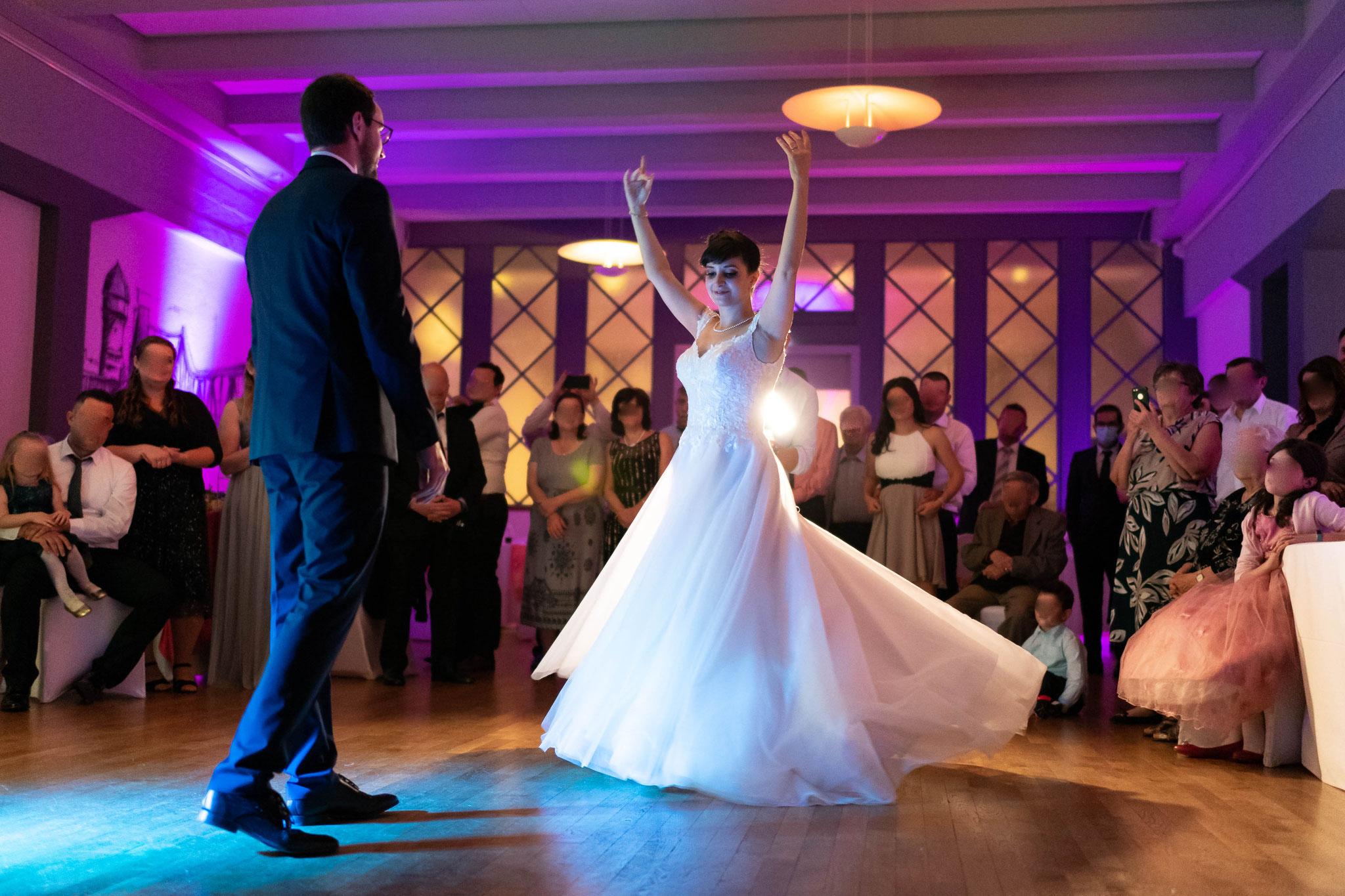 Der romantische Tanz am Abend