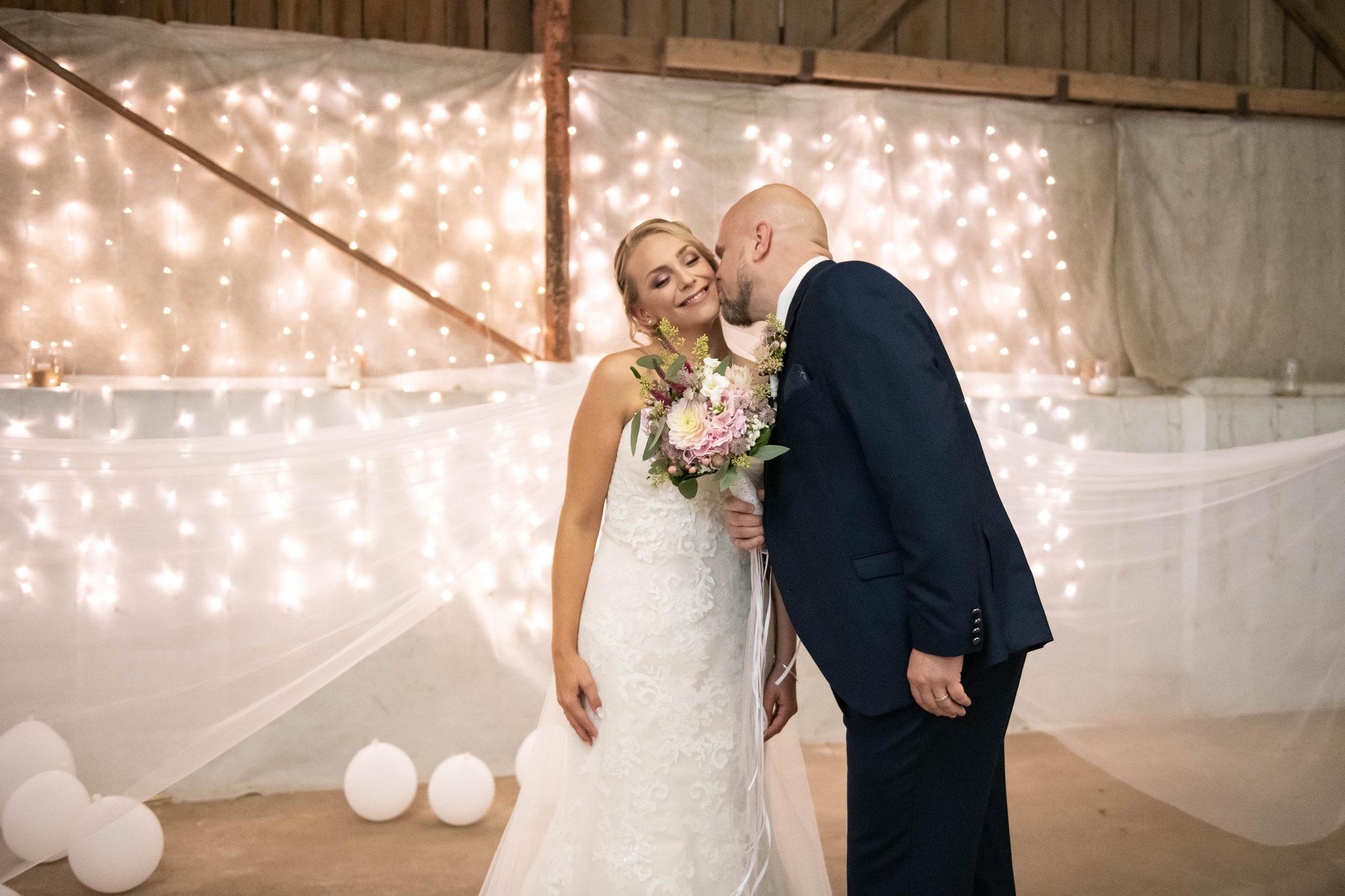 Brautpaar Shooting vor der kirchlichen Trauung
