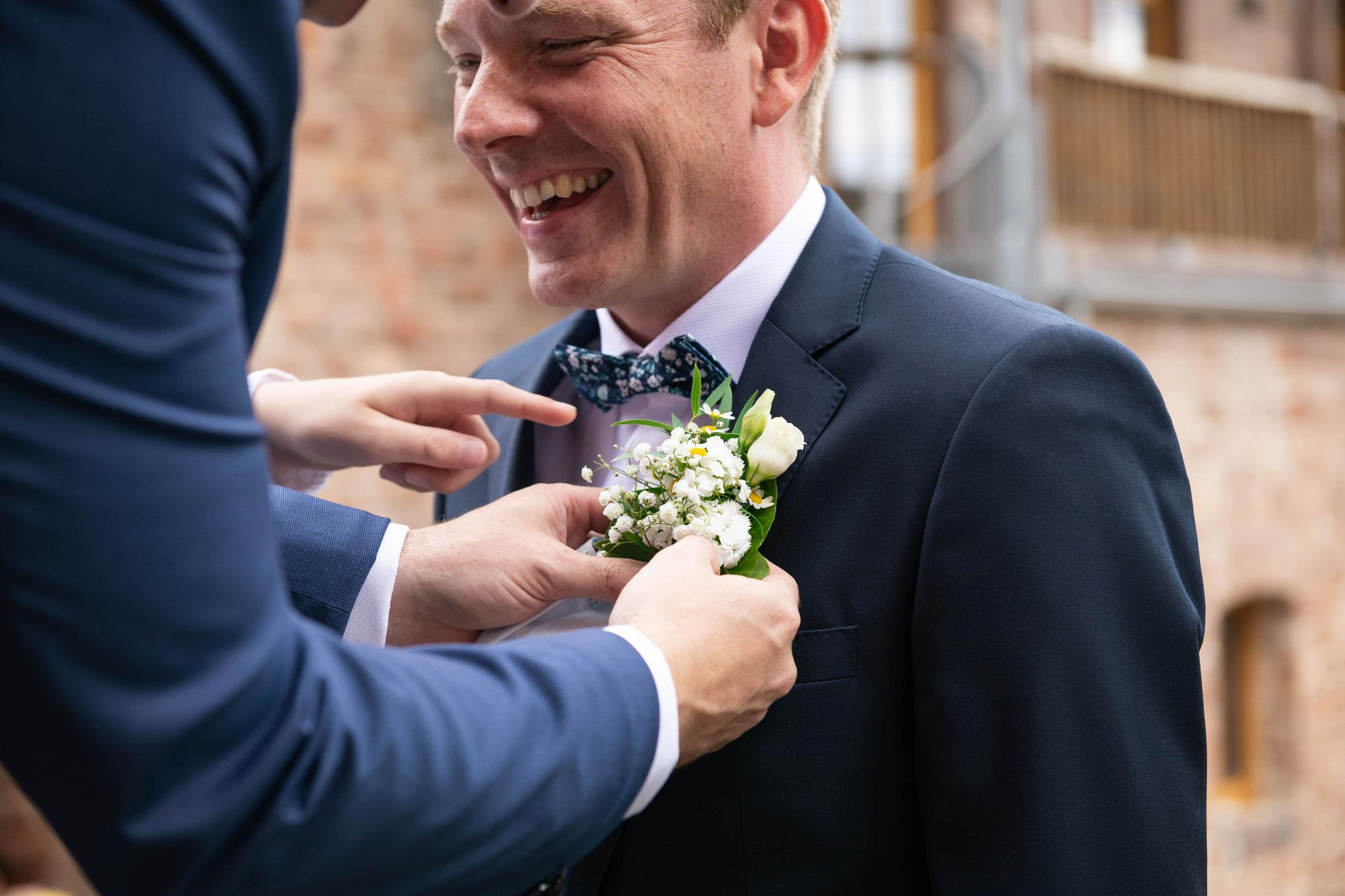 Noch bevor der Bräutigam seine Braut gesehen hat