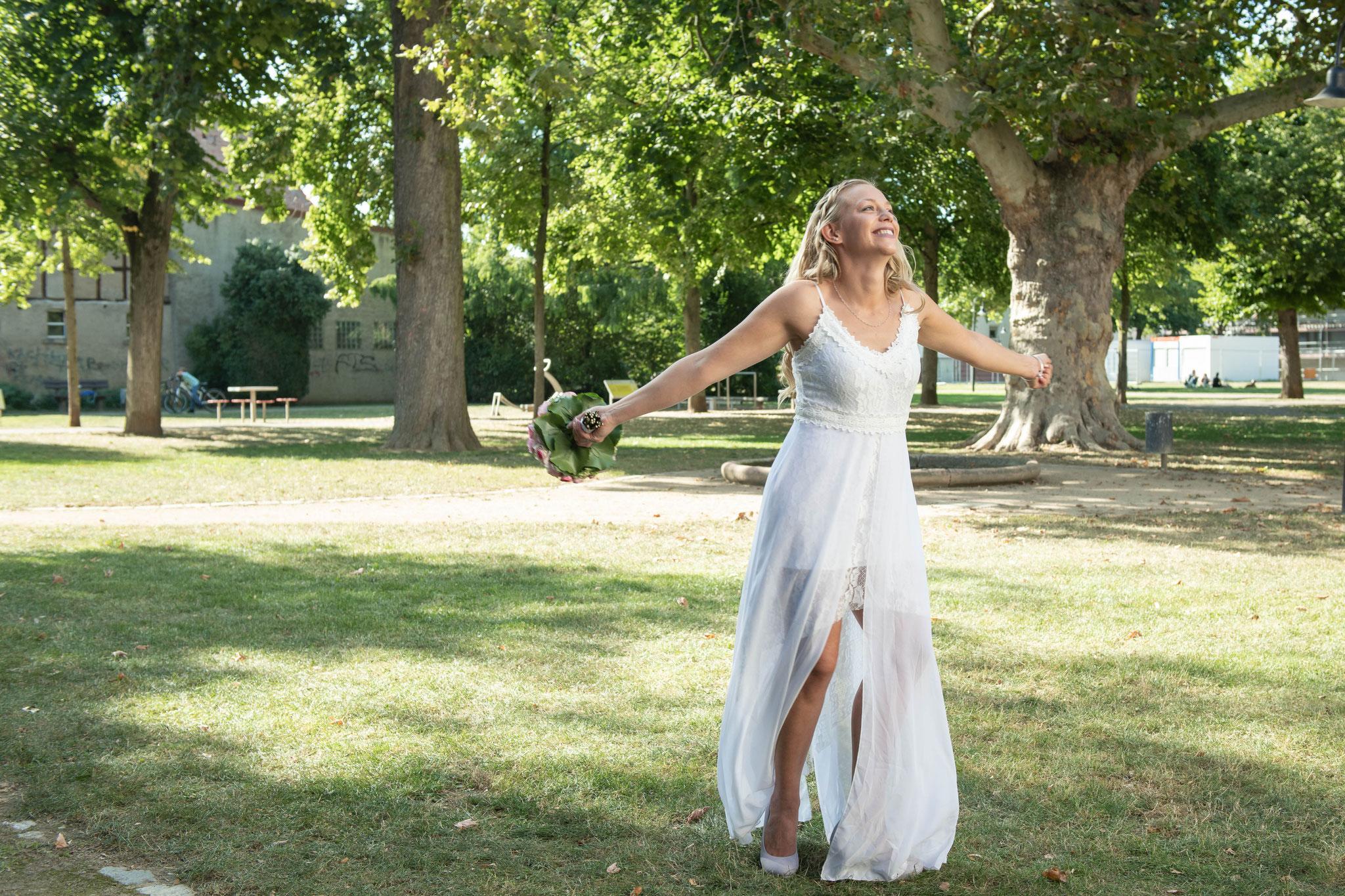 Braut Fotos im Stadtpark Reinheim