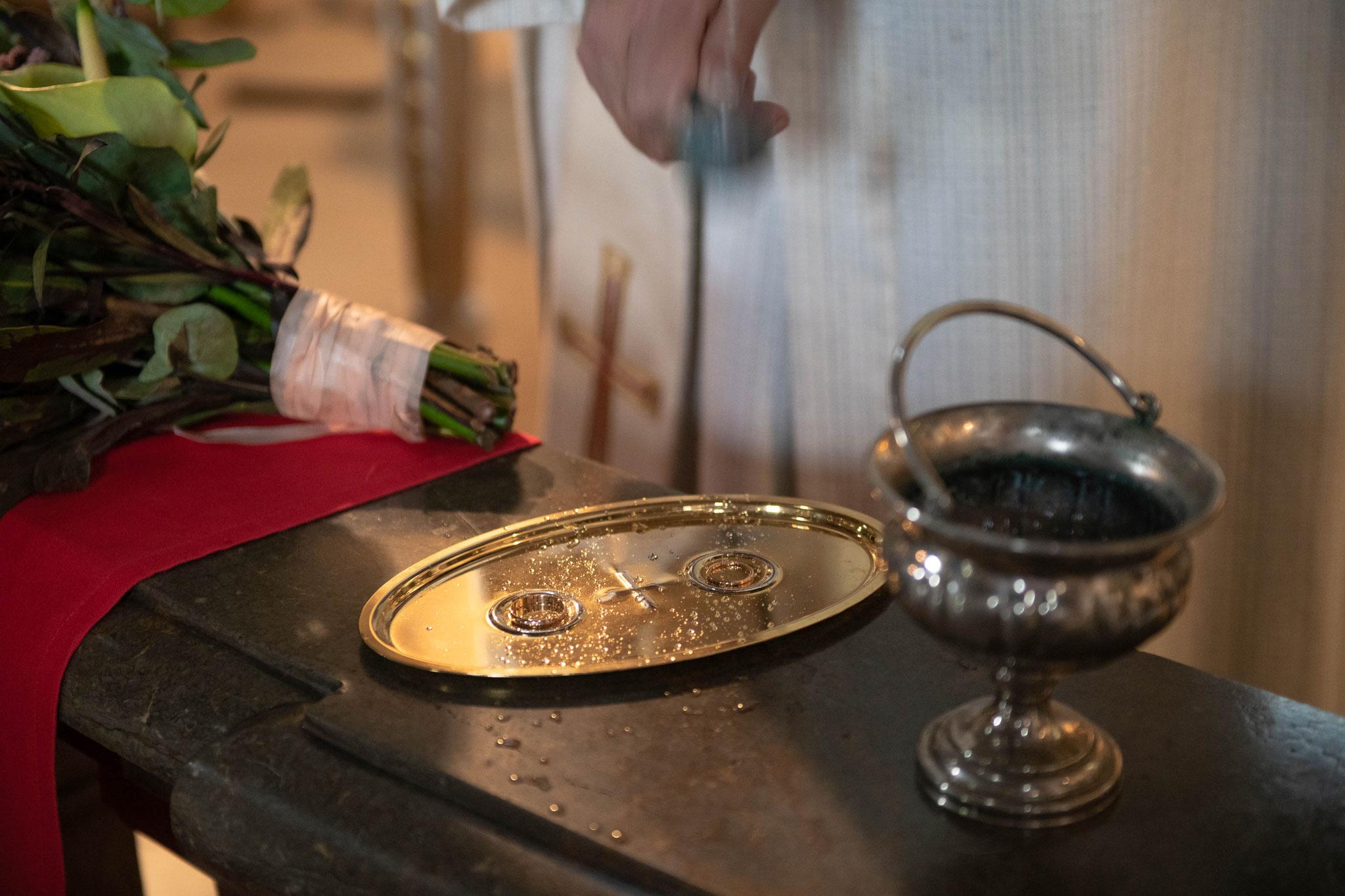 Hochzeitsfotografie während der Trauung in der Kirche Käppele Wallfahrtskirche in Würzburg