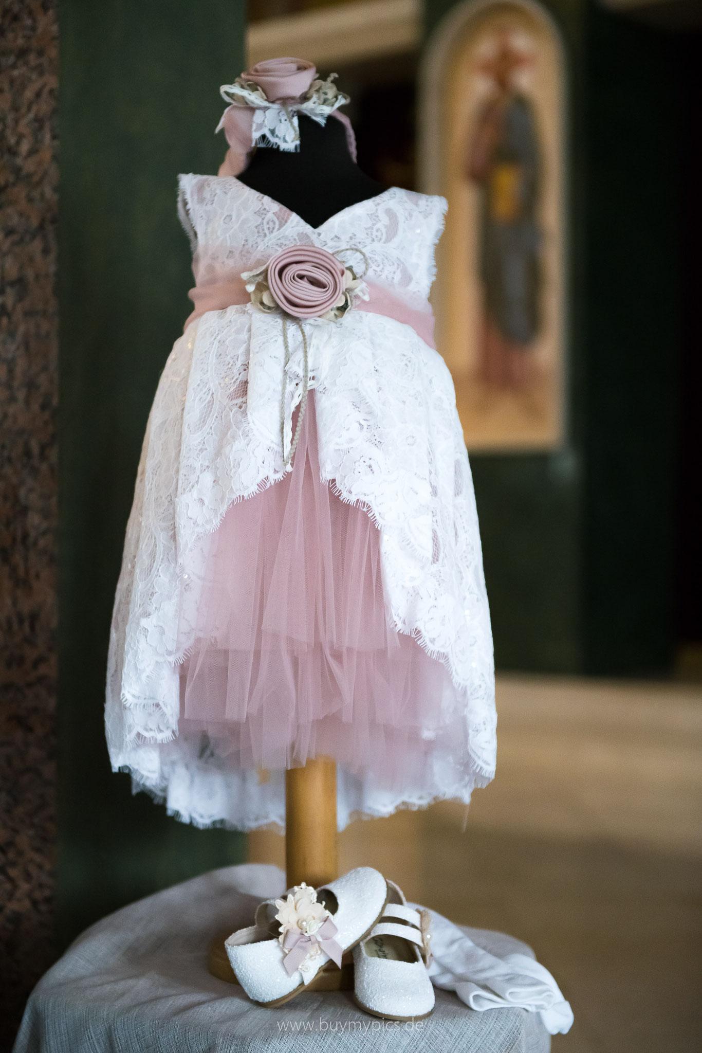 Kleid für das getaufte Kind