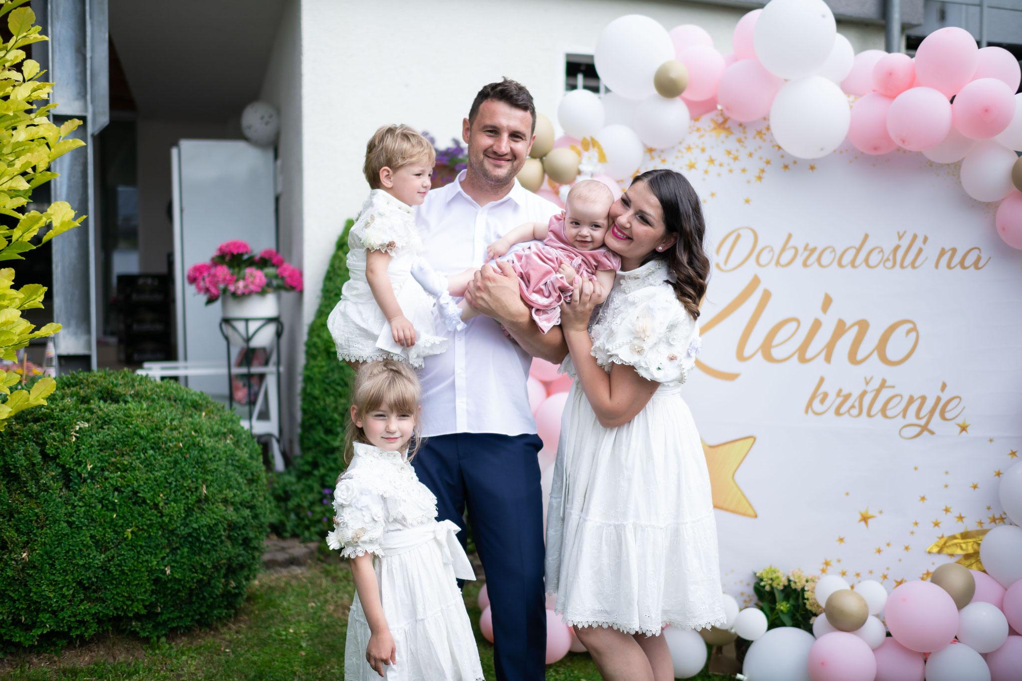 Familienaufnahmen als Foto und Videoaufnahmen während der Taufe und der anschließender Feier
